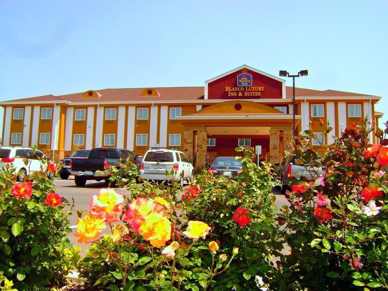 Best Western Plus Blanco Luxury Inn & Suites image 36