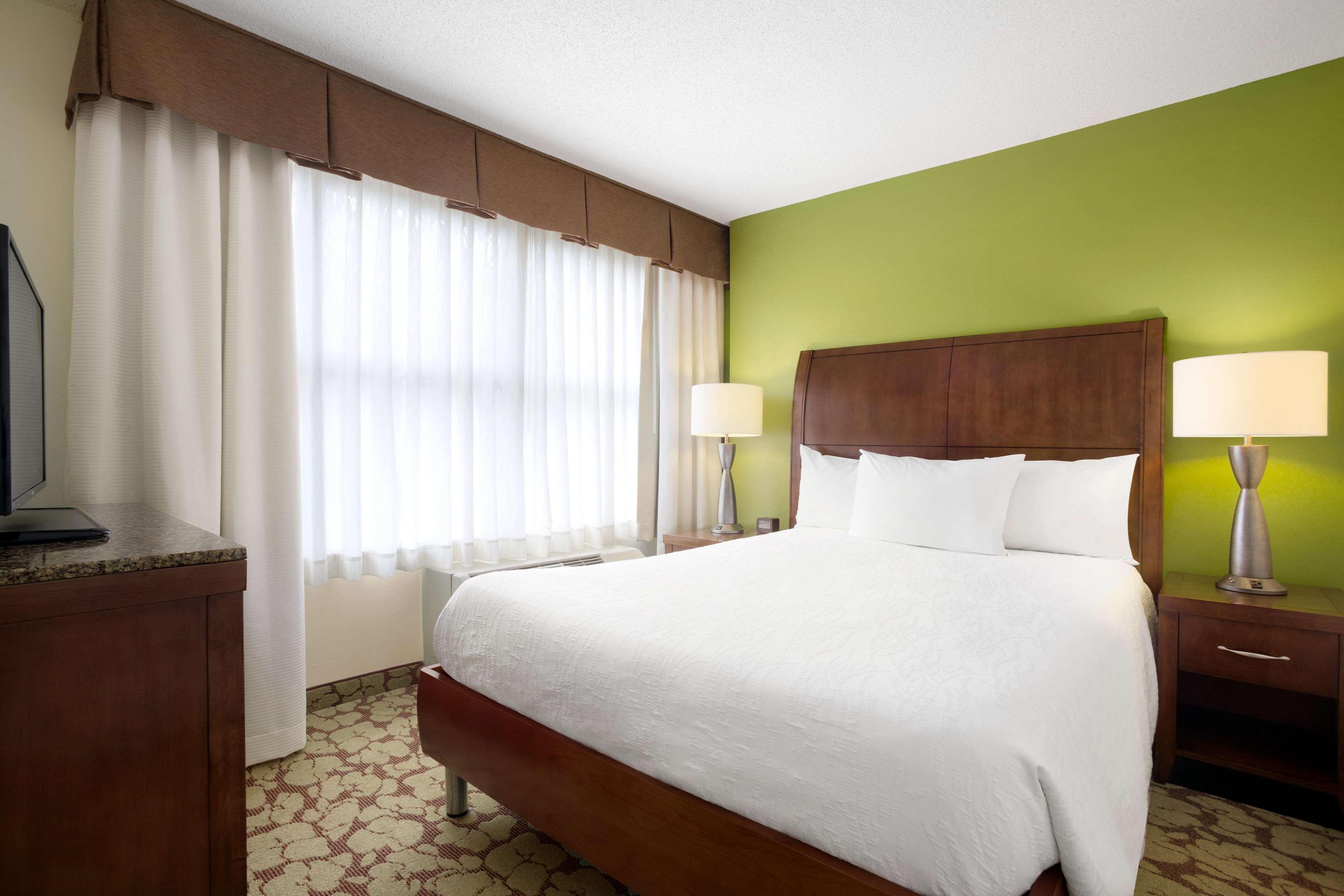 Hilton Garden Inn Atlanta Perimeter Center image 7