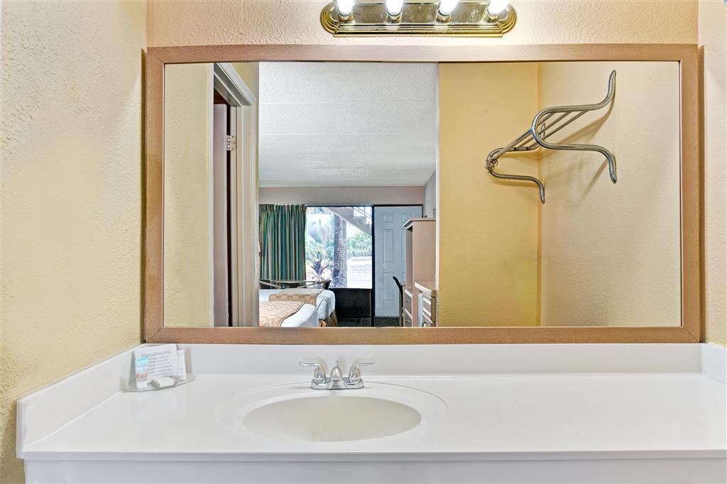 Baymont Inn & Suites Kissimmee image 12