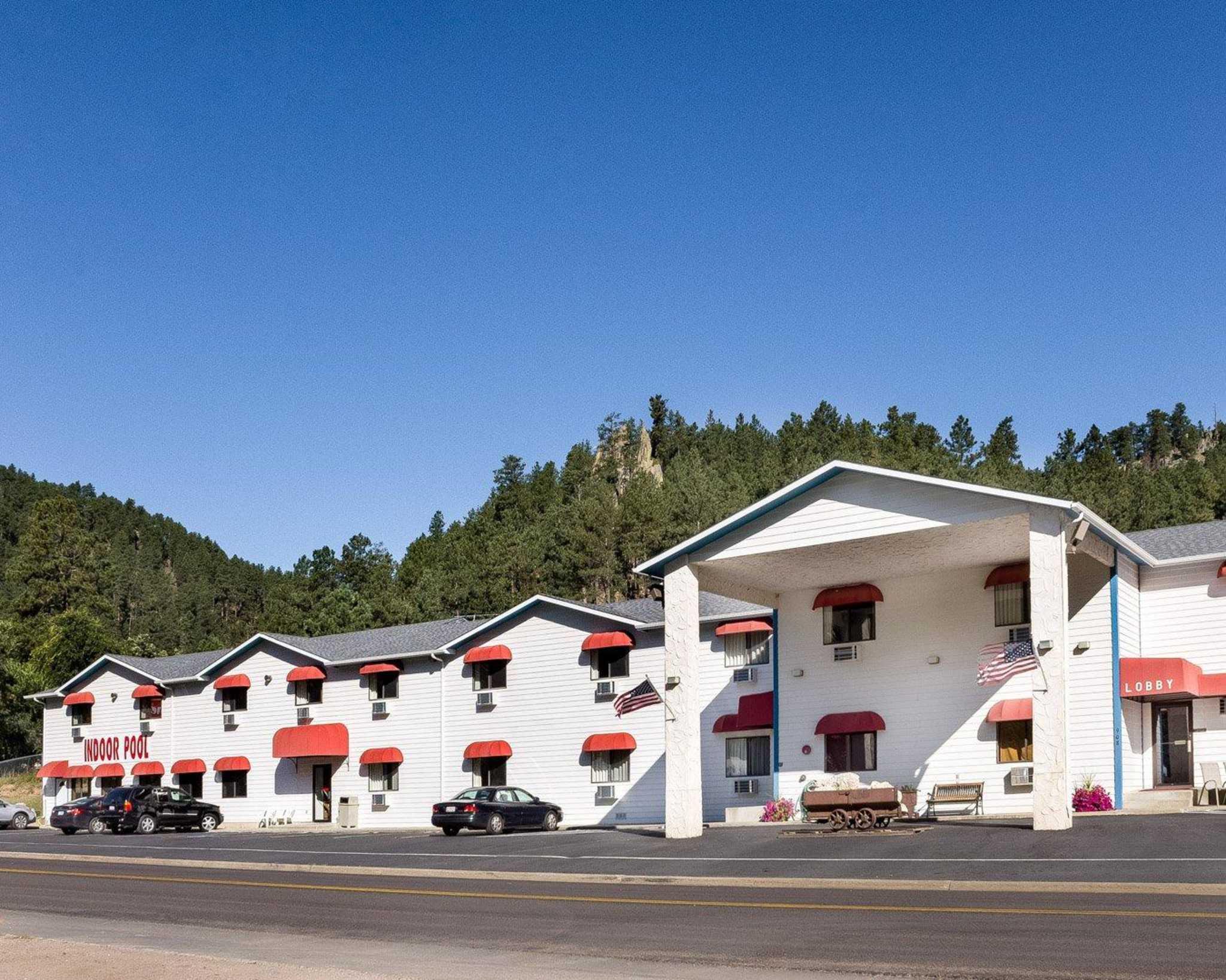 Econo Lodge Near Mt. Rushmore Memorial image 2