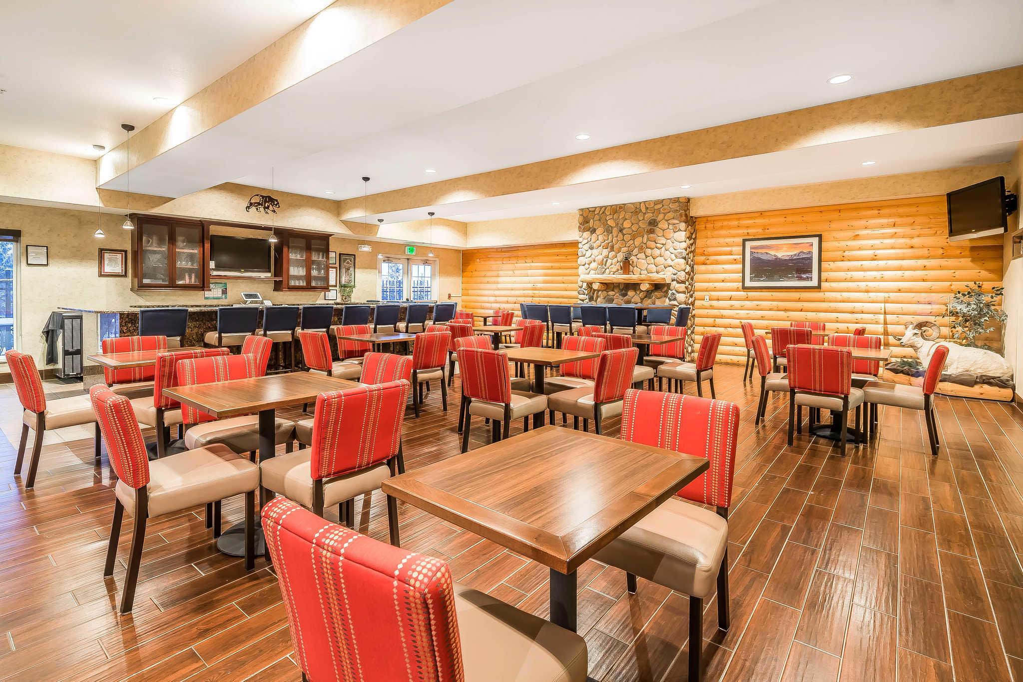 Comfort Suites Anchorage International Airport image 5