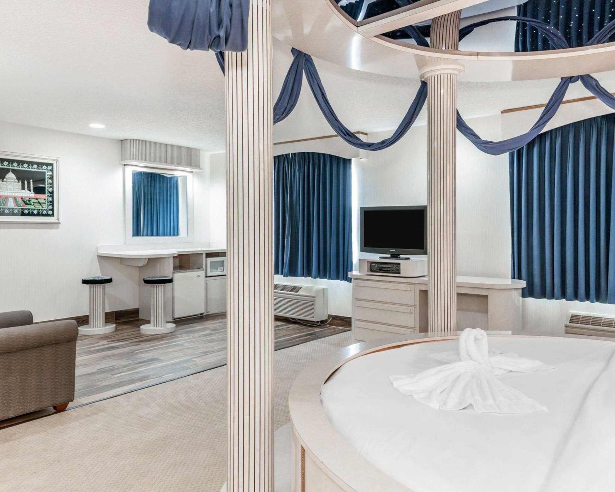 Comfort Suites North in Elkhart, IN, photo #39
