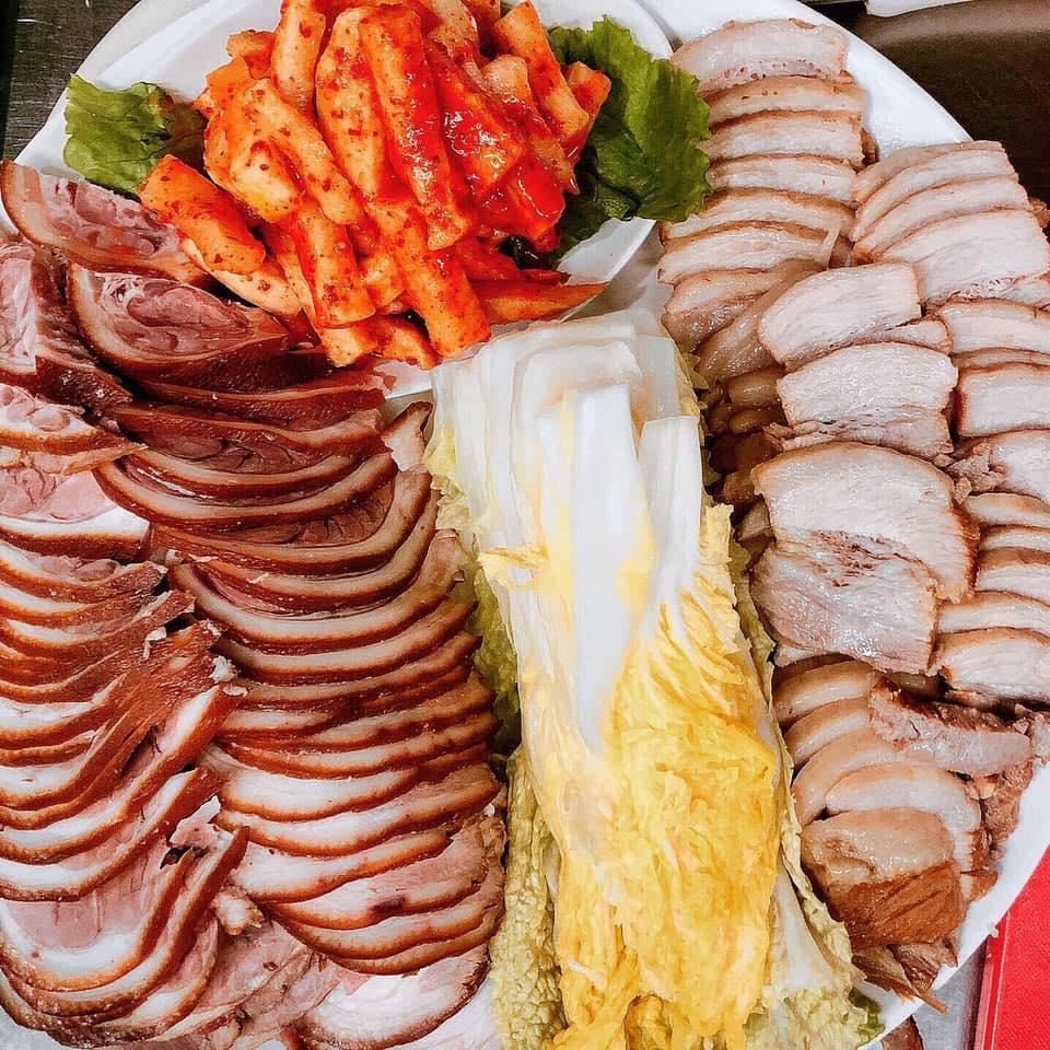 Bong Yi Korean Restaurant (Tang and Tonkatsu)韓國餐館/炸豬排餐聼/湯館,健康美味傳統韓國湯/酒吧.燒酒,米酒,梅酒和啤酒