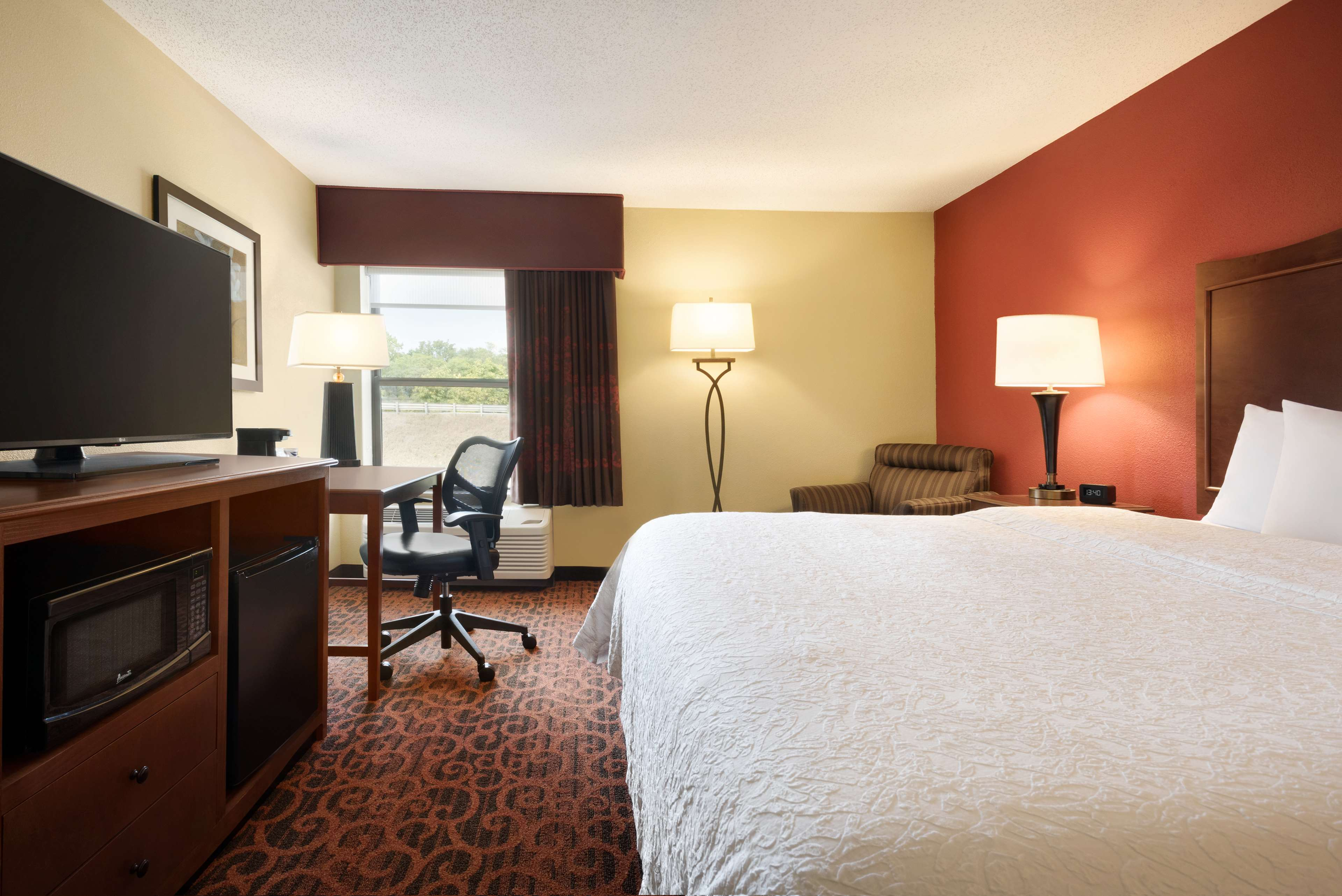 Hampton Inn Battle Creek image 15
