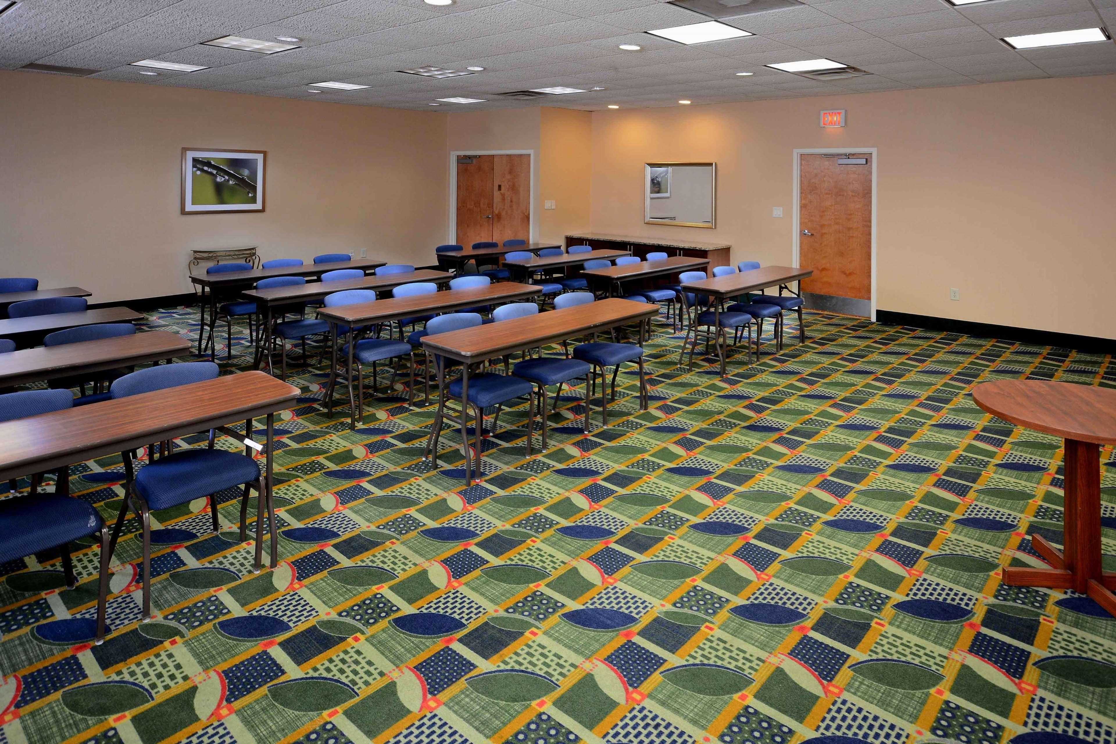 Hampton Inn Fayetteville Fort Bragg image 39
