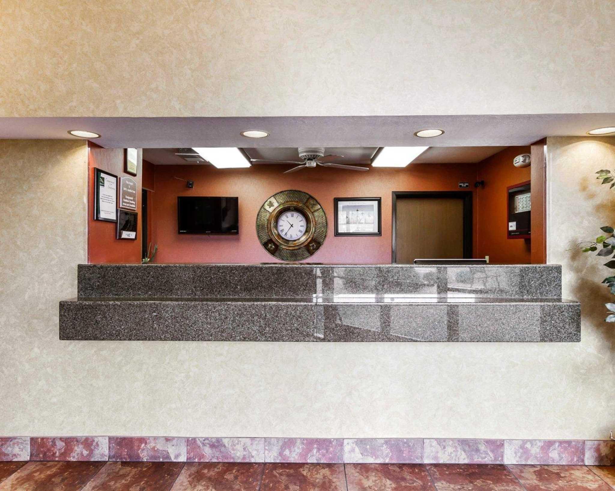 Quality Inn & Suites Surprise Near Sun City West image 19