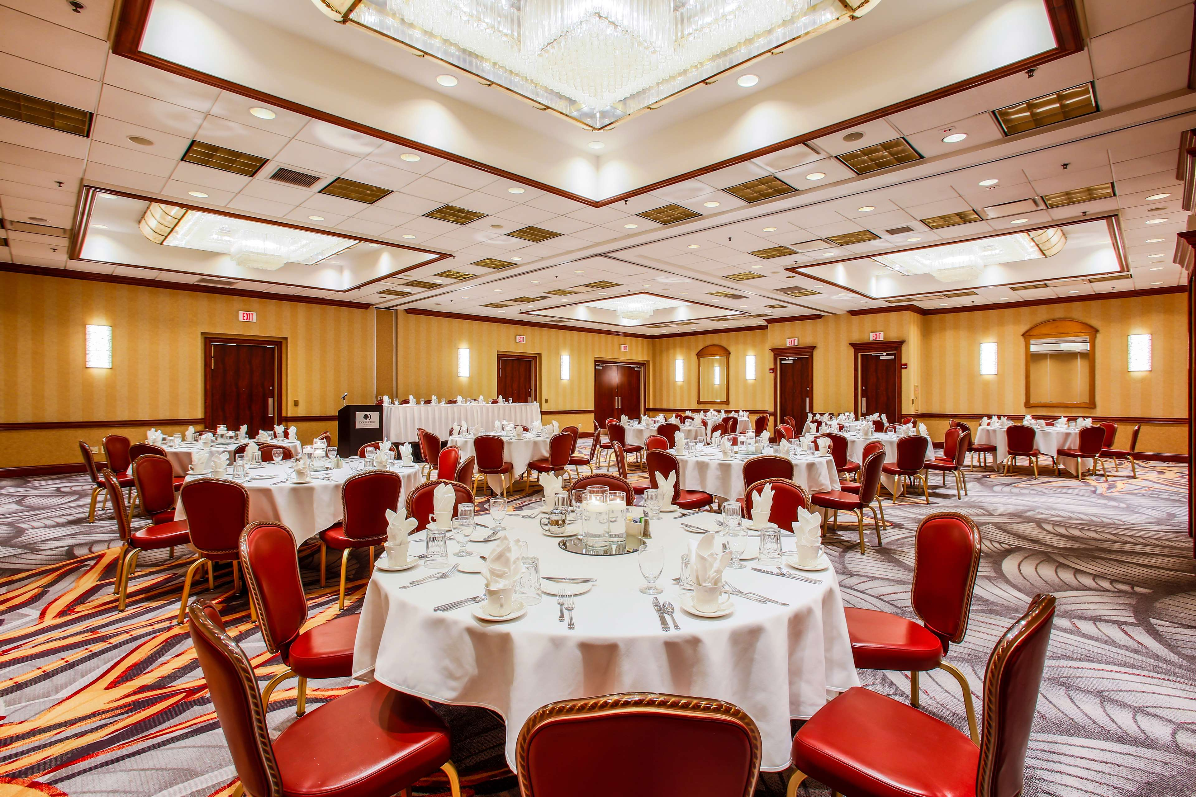 DoubleTree by Hilton Hotel Chicago - Alsip image 22