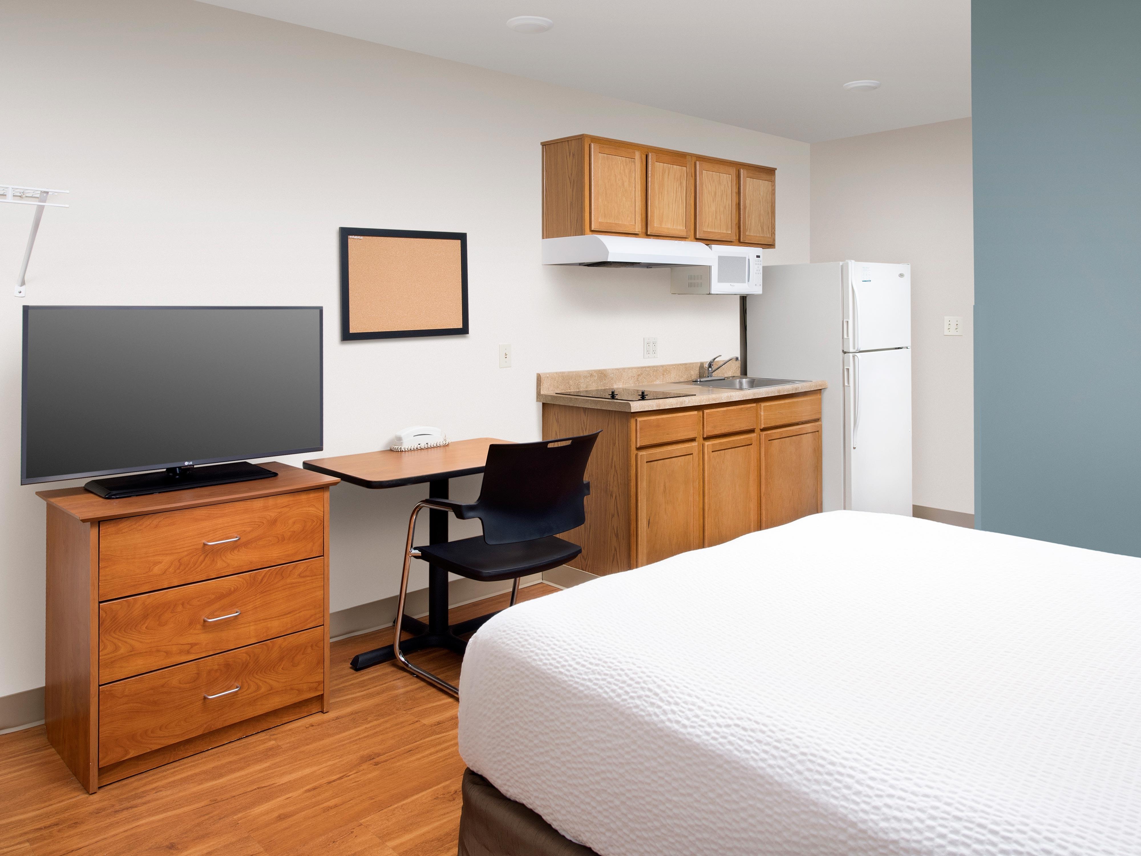 WoodSpring Suites Pensacola Northeast image 23