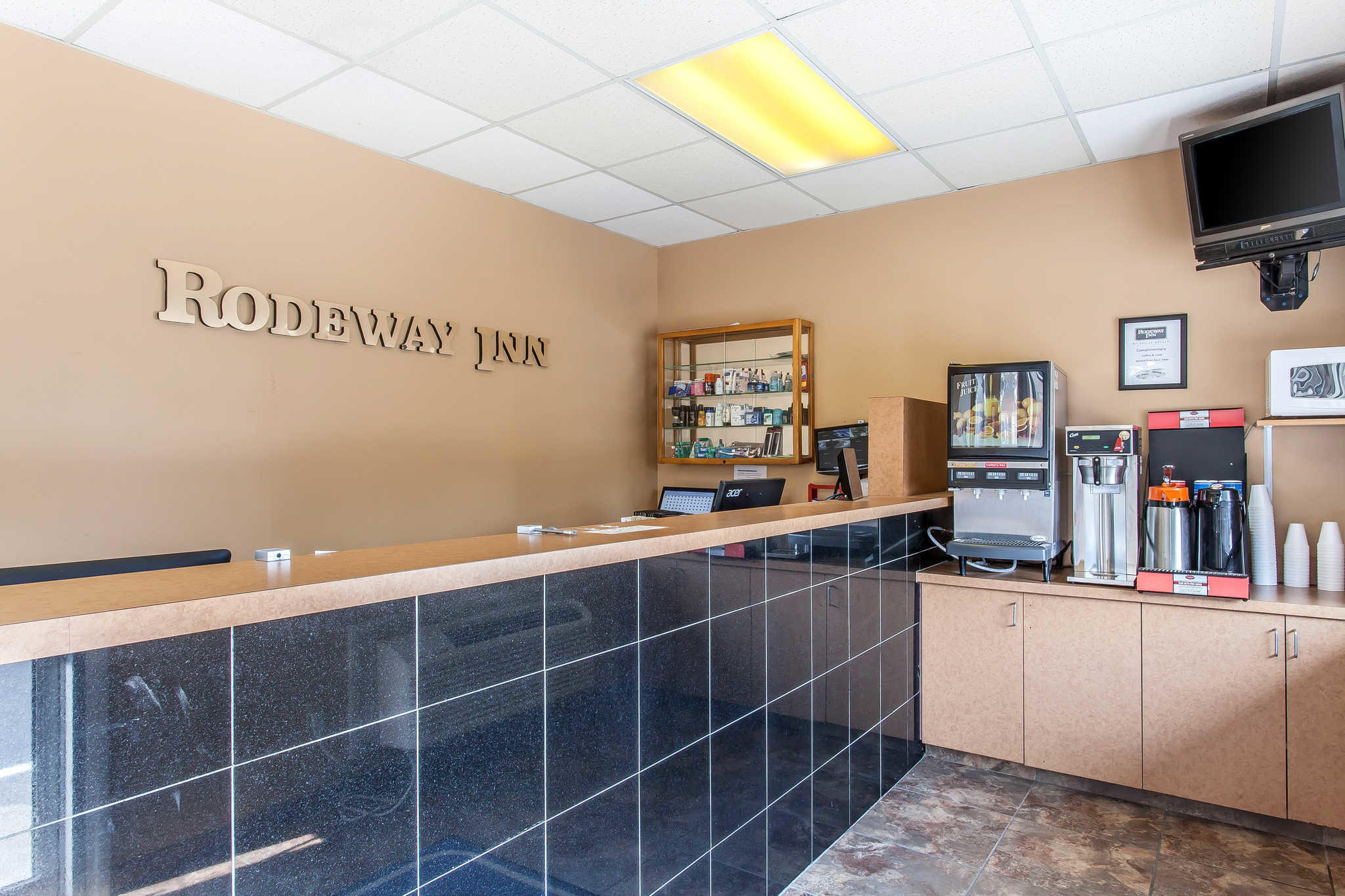 Rodeway Inn North image 35