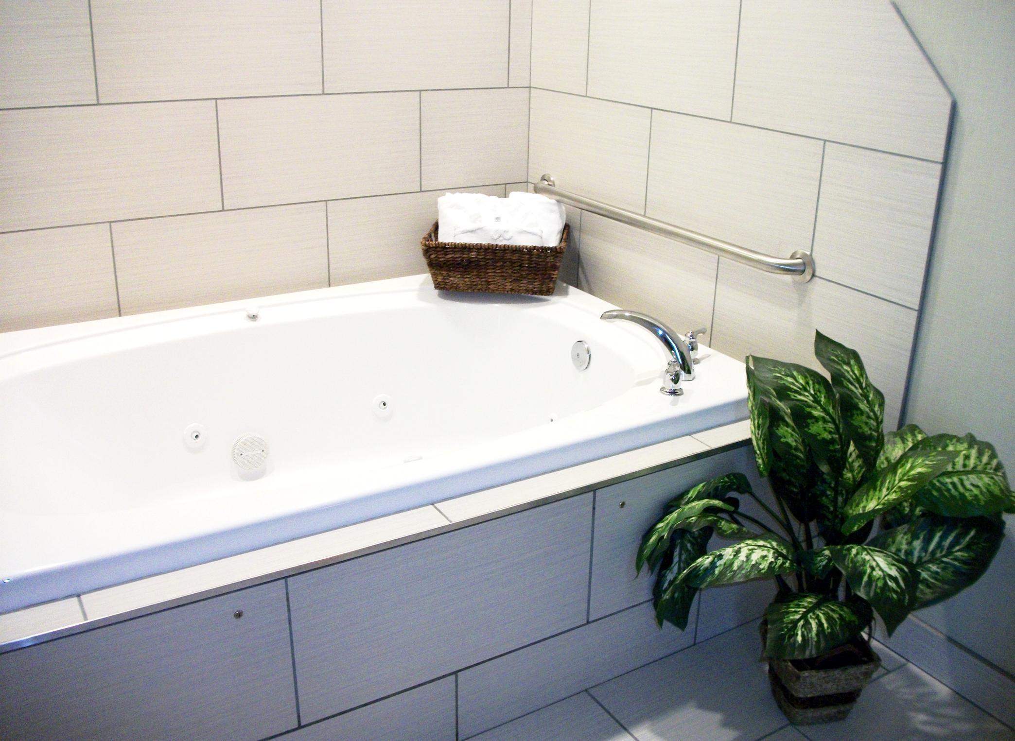 Hampton Inn & Suites Manteca image 27