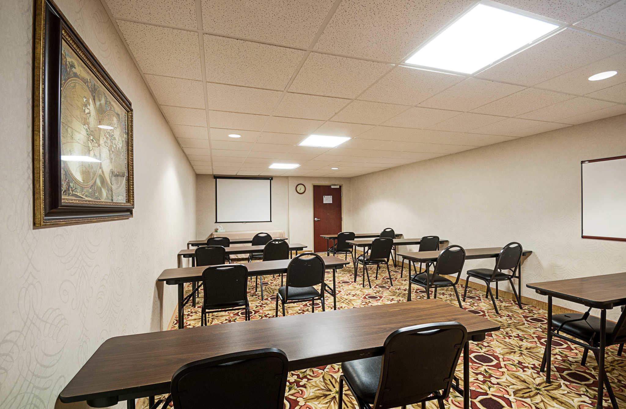 Comfort Inn & Suites Cambridge image 37