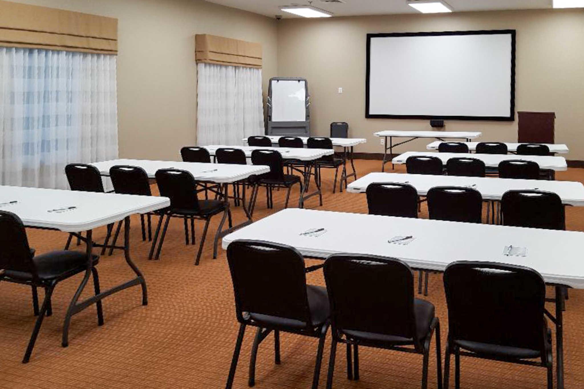 Sleep Inn & Suites Belmont / St. Clairsville image 14