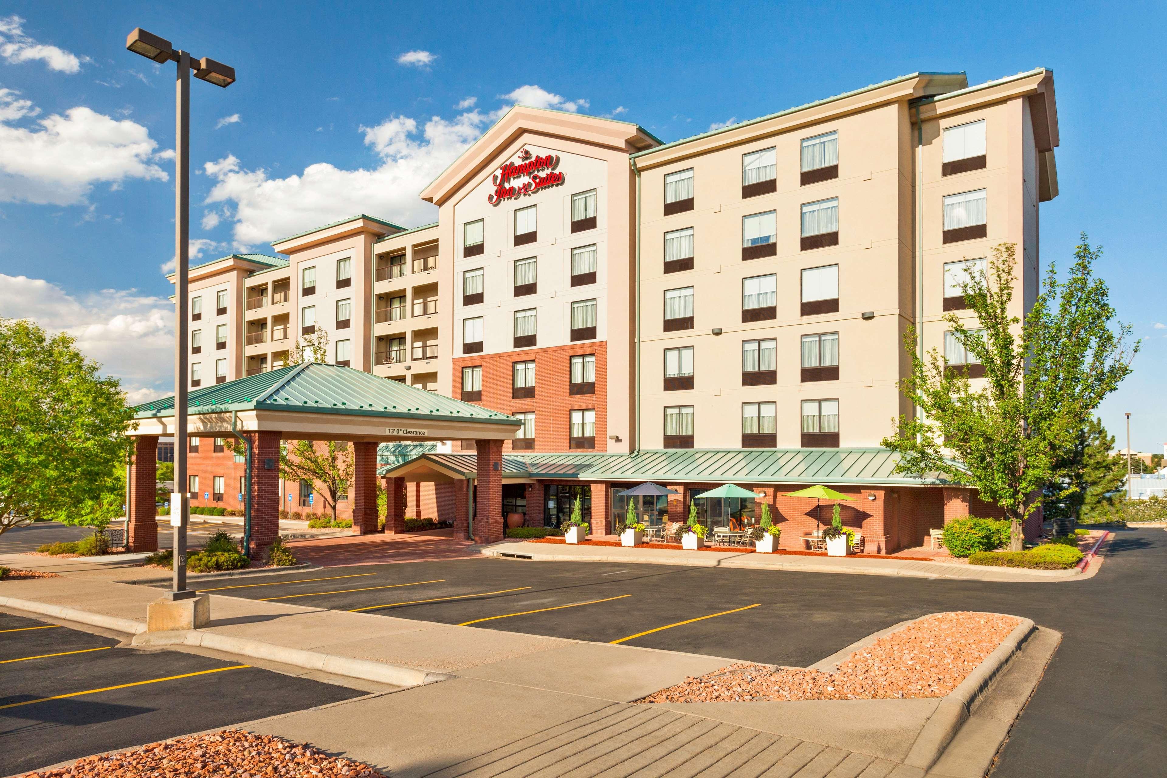 Hampton Inn & Suites Denver-Cherry Creek image 0