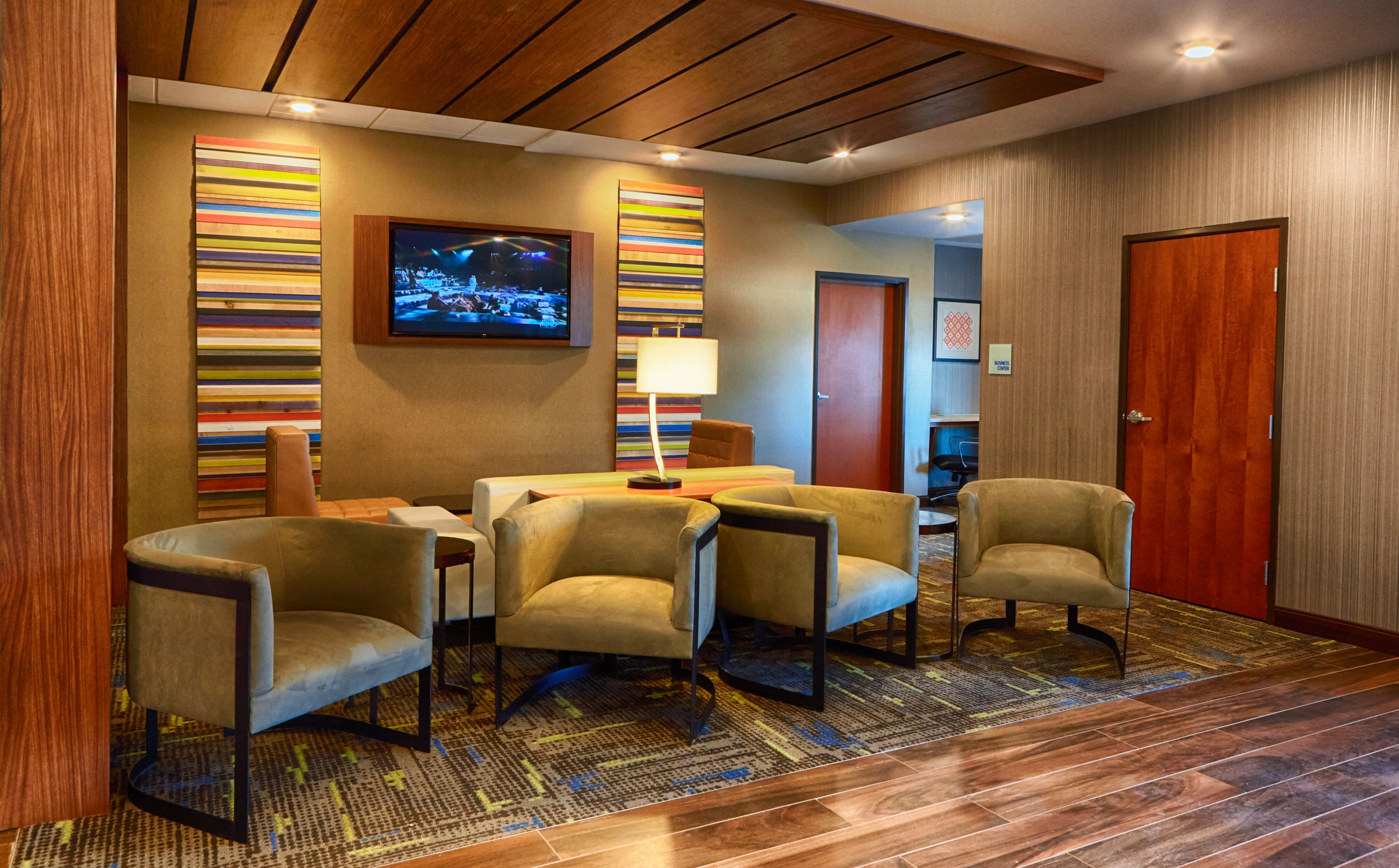 Holiday Inn Express Bordentown - Trenton South image 4