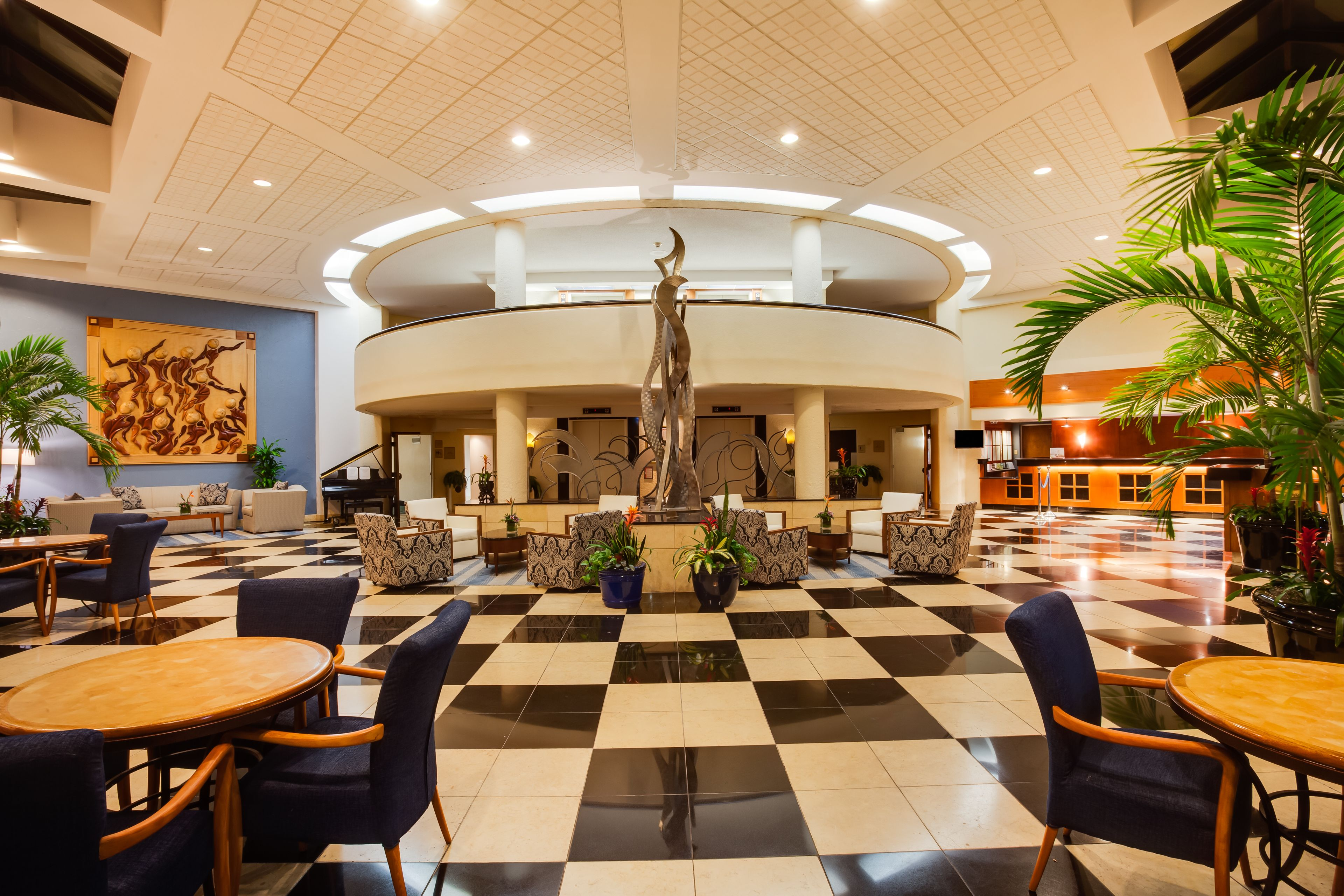 Crowne Plaza Fort Myers At Bell Tower Shops image 9