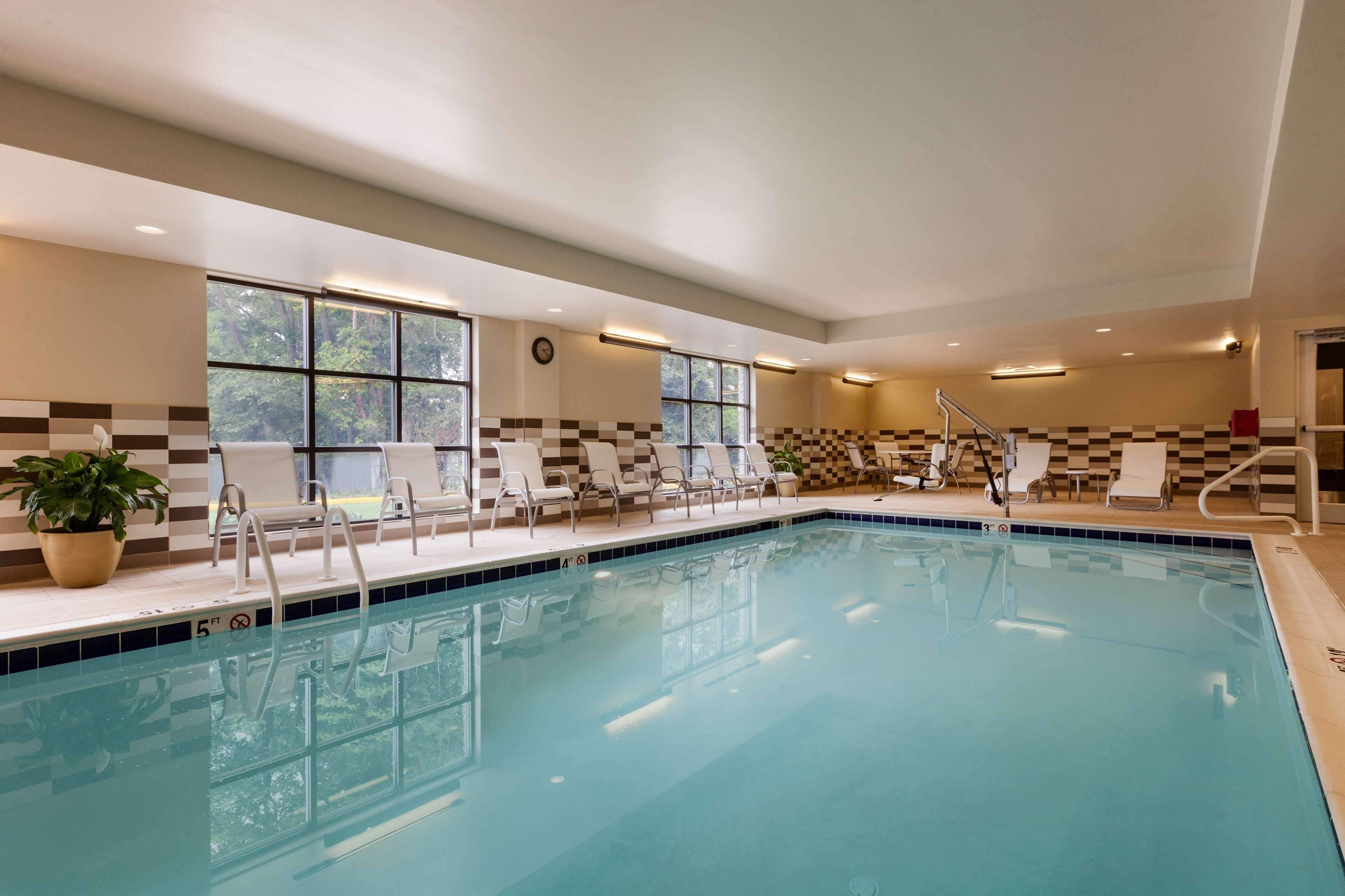 Hampton Inn & Suites Camp Springs/Andrews AFB image 2