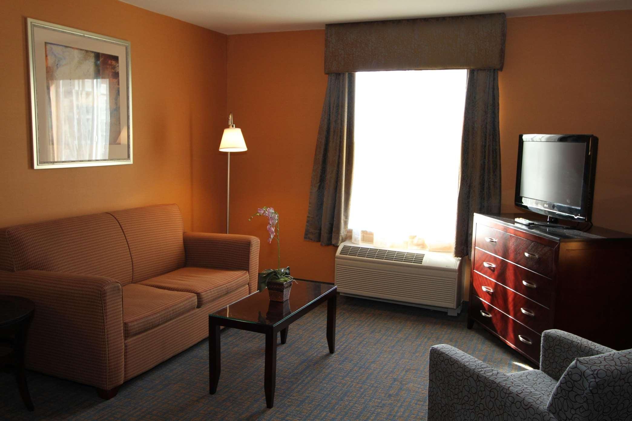 Hampton Inn & Suites Seattle-Downtown image 6
