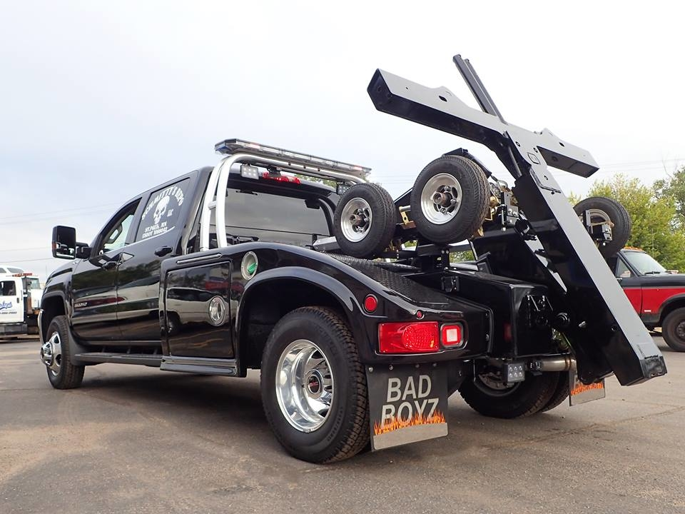 Schmitty's Repo LLC & 24 Hour Towing image 2