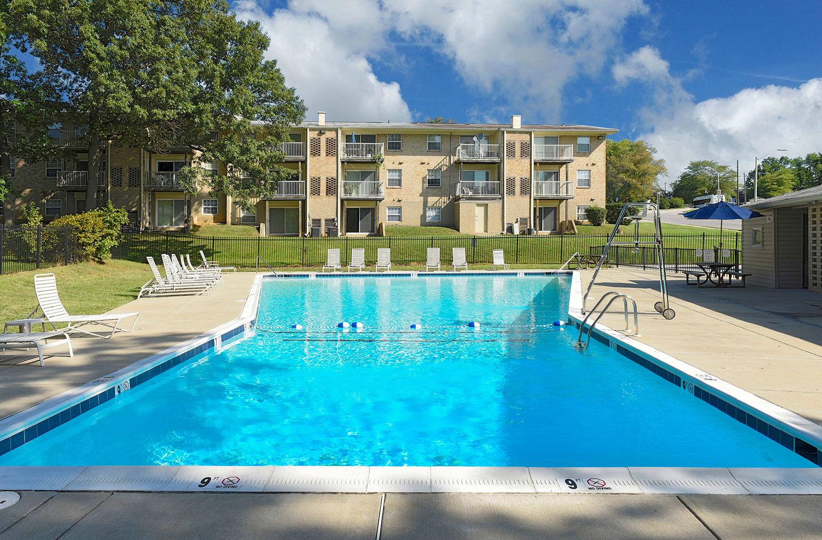 Kenilworth at Hazelwood Apartments image 1