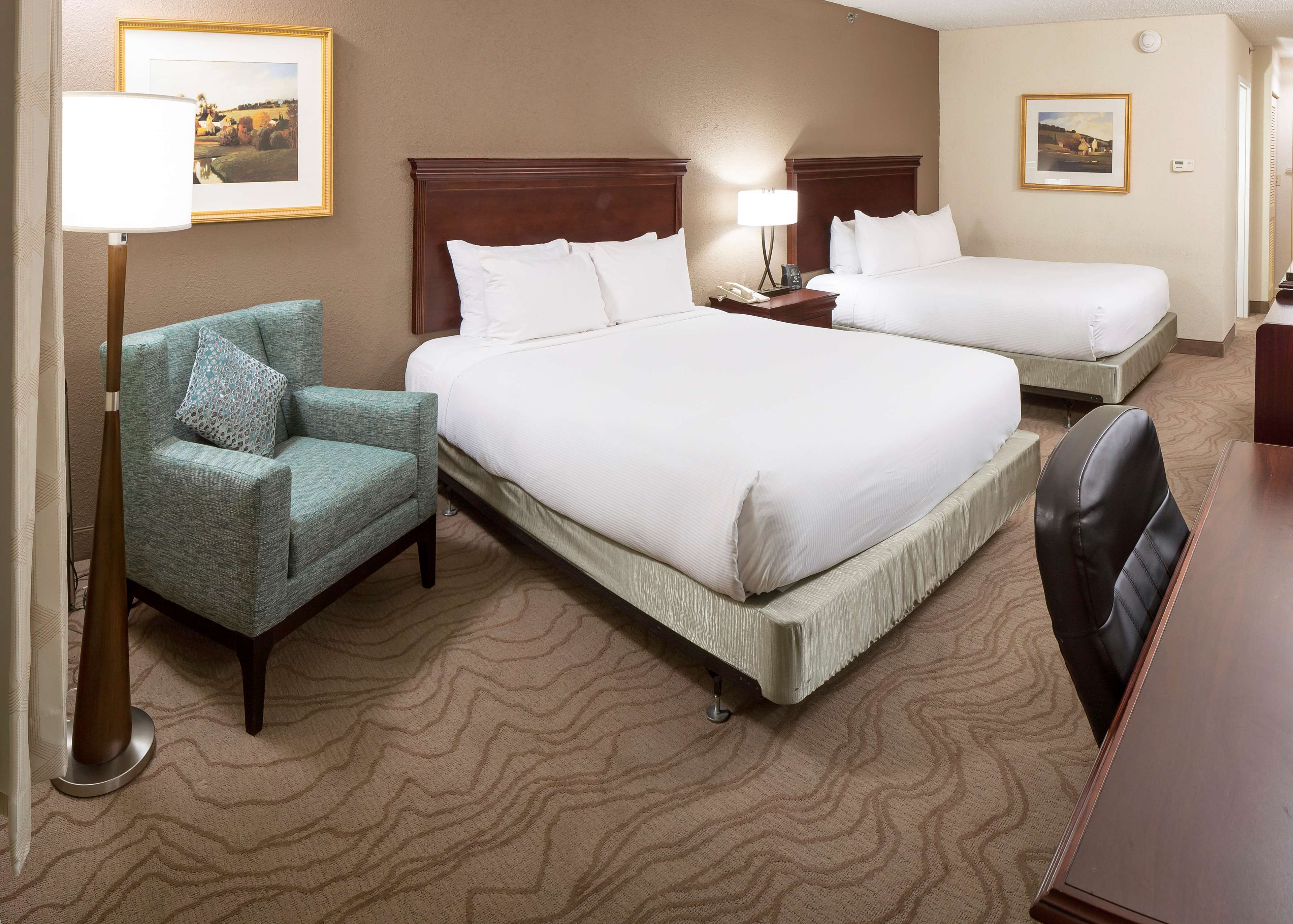 DoubleTree by Hilton Hotel Boston - Milford image 19