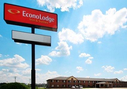 Econo Lodge  Inn & Suites image 0