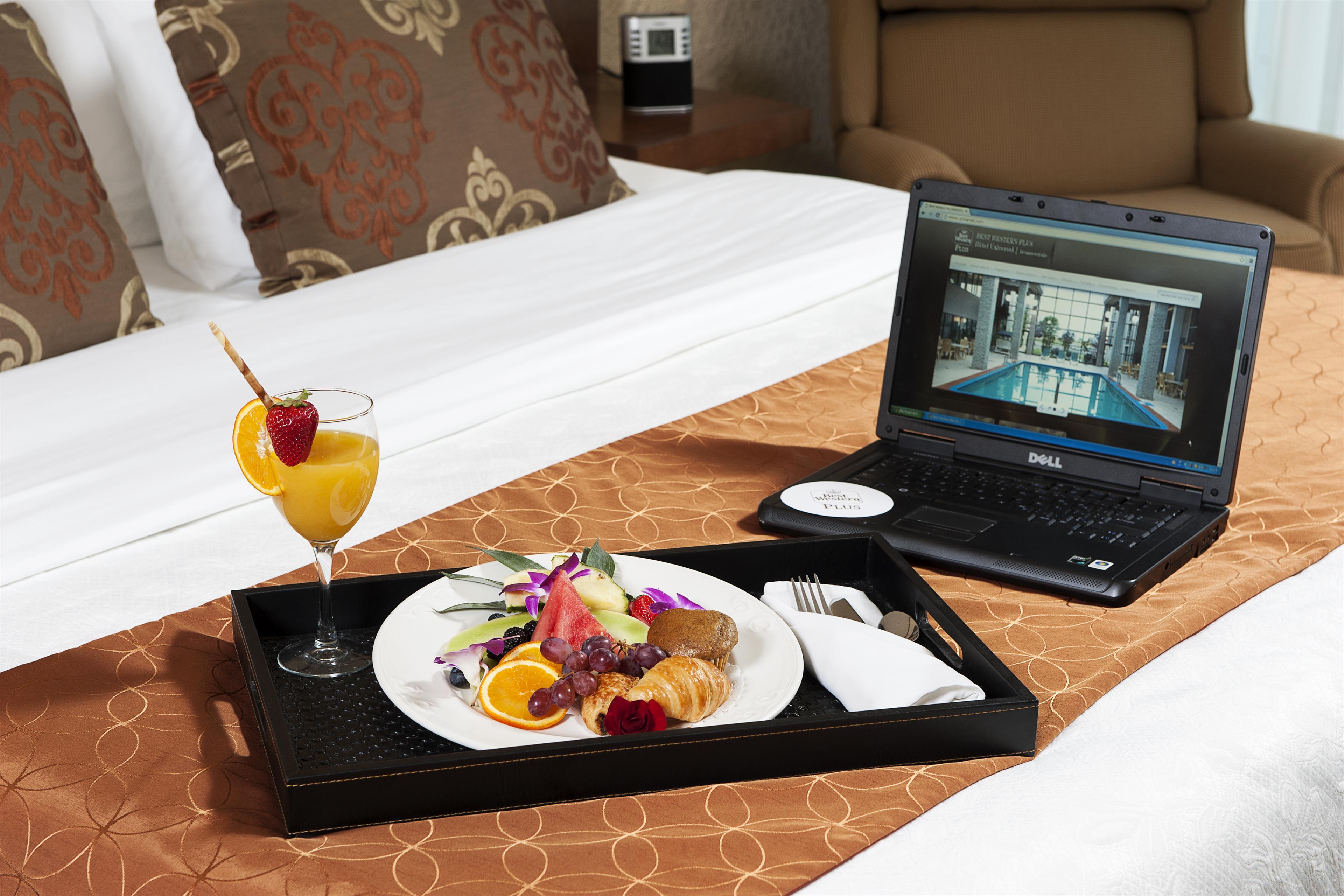 Best Western Hotel Universel Drummondville à Drummondville: Suite 2 Queen Room