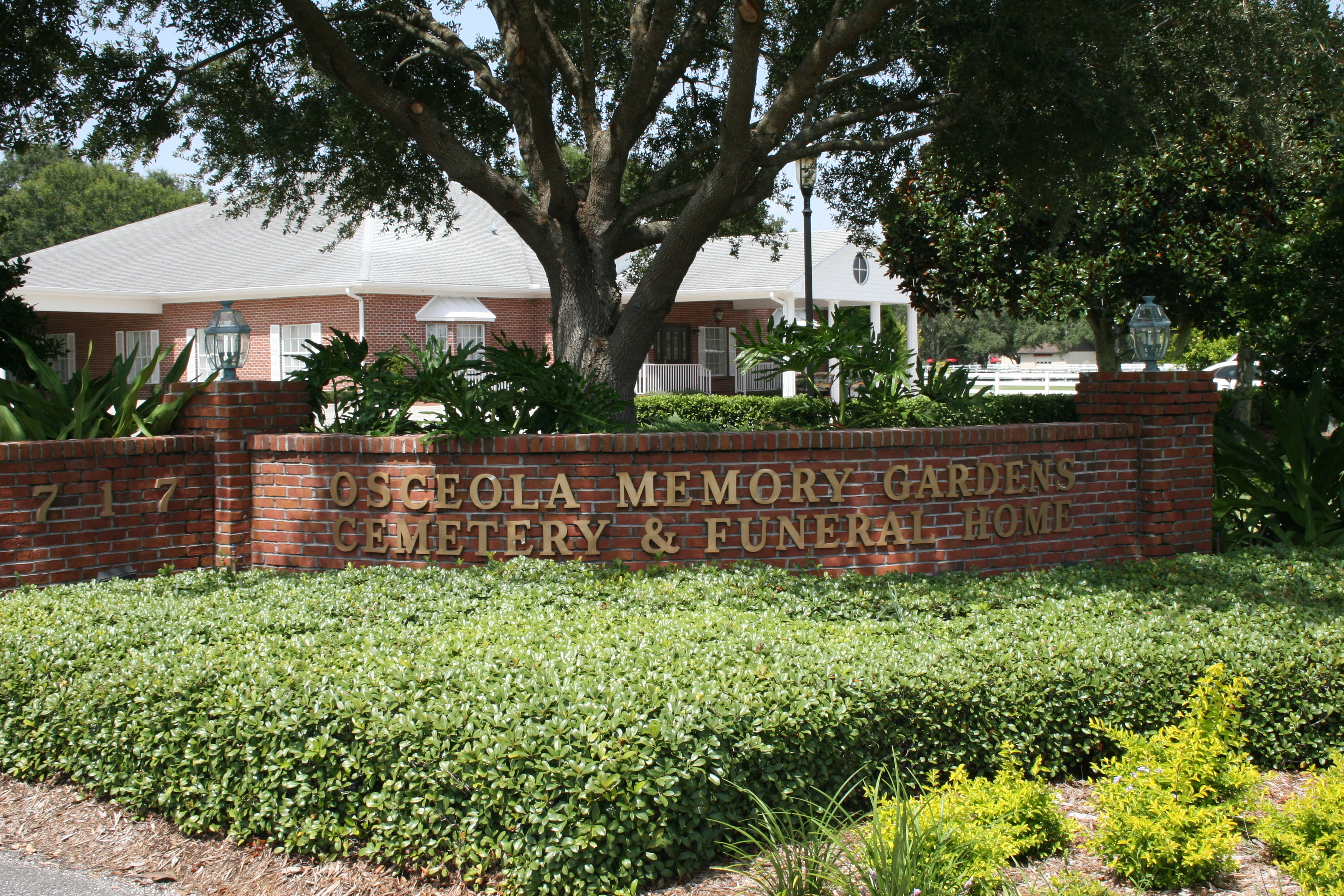 Osceola Memory Gardens Cemetery Funeral Homes & Crematory image 5