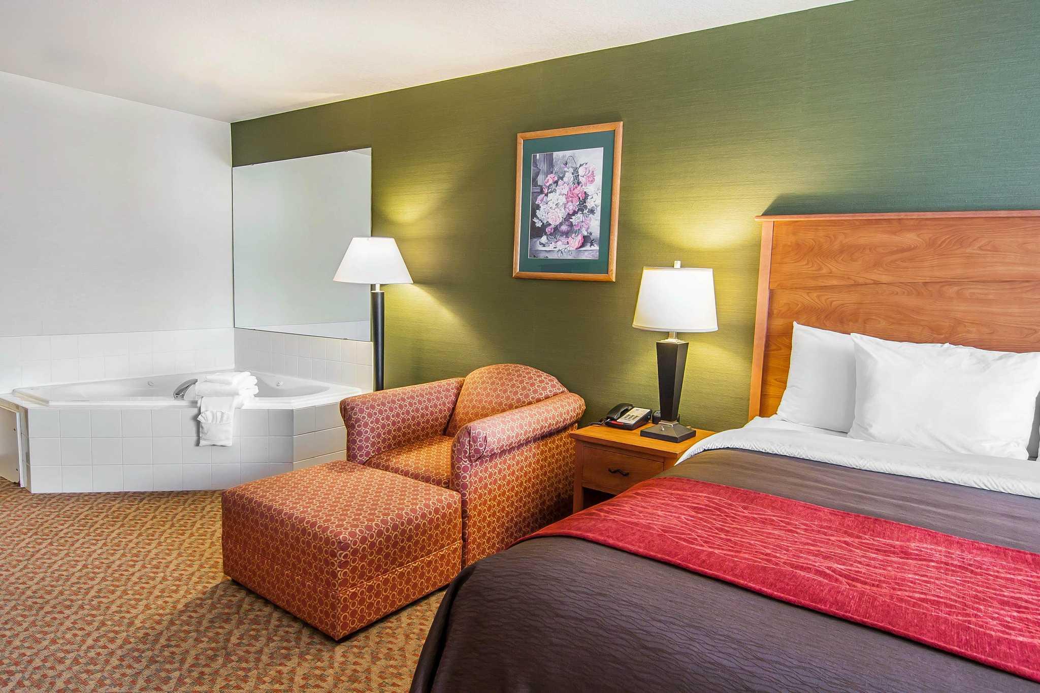 Comfort Inn & Suites image 51