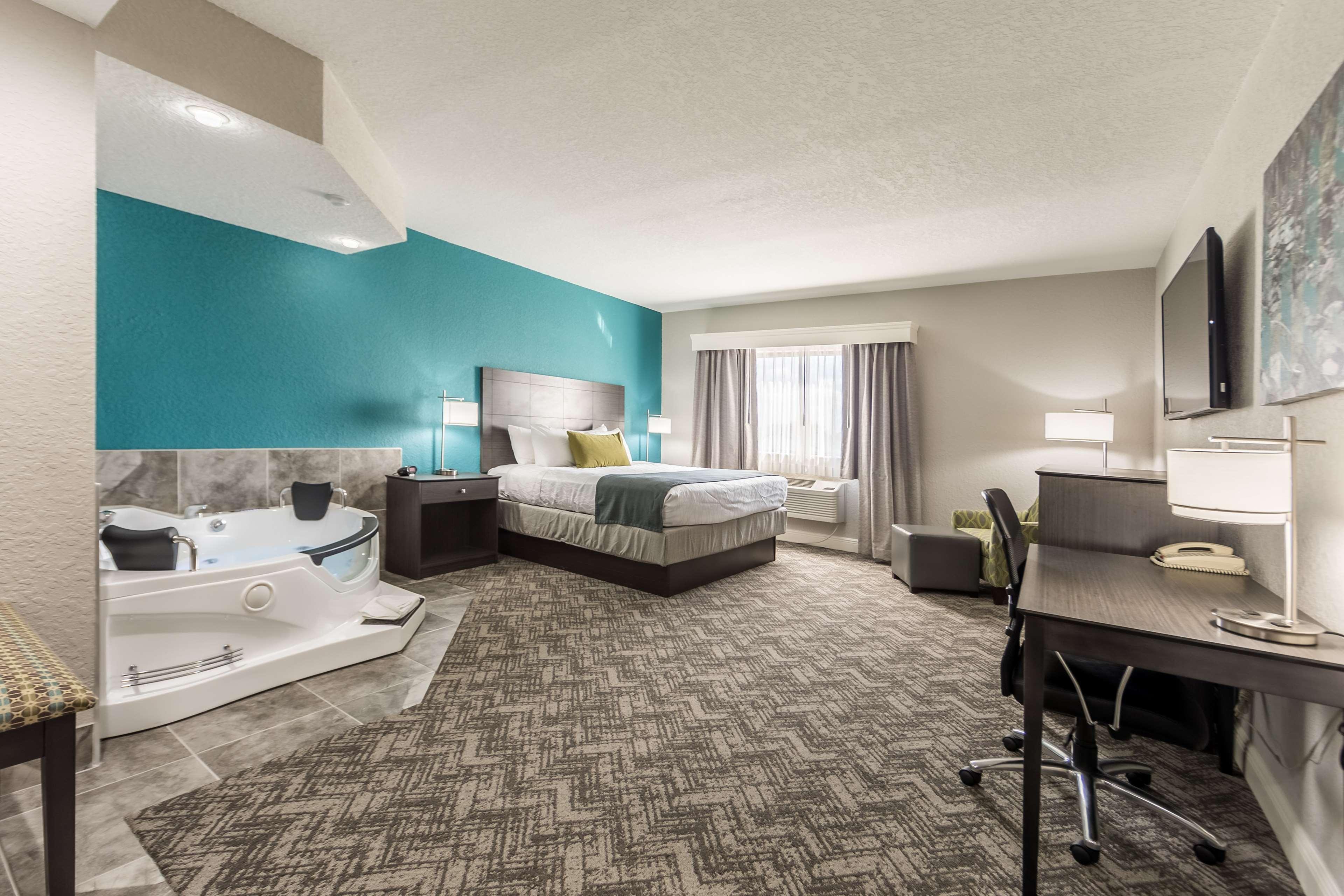 Best Western Plus Sebastian Hotel & Suites image 49