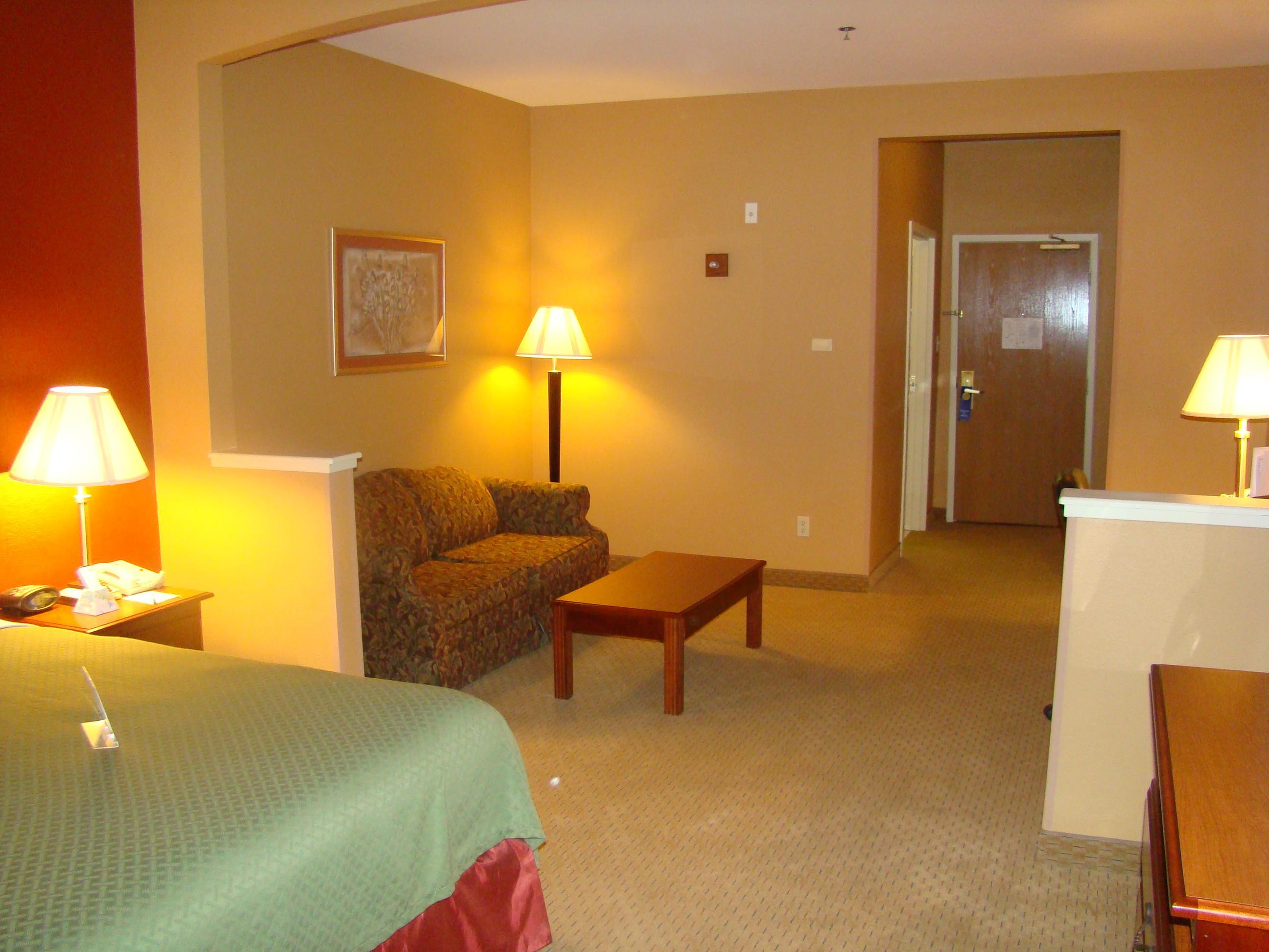 Best Western Plus Denton Inn & Suites image 40