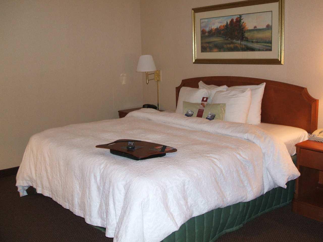Hampton Inn & Suites Newtown image 20