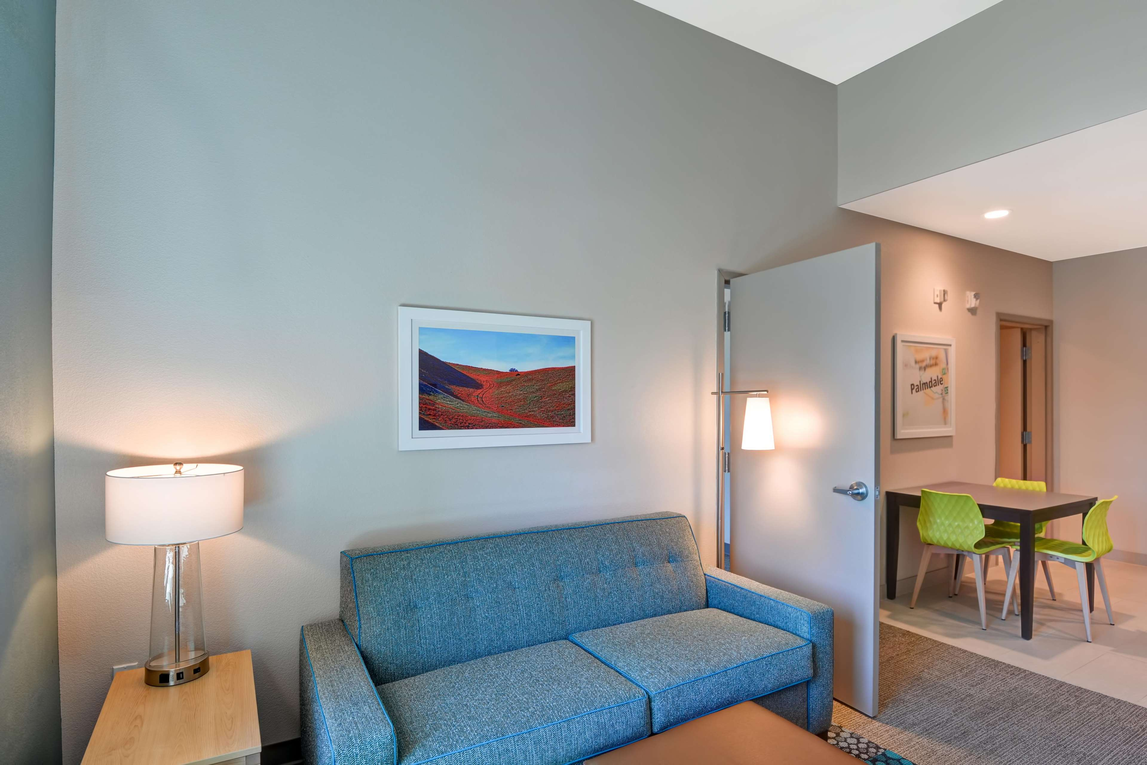 Home2 Suites by Hilton Palmdale image 11