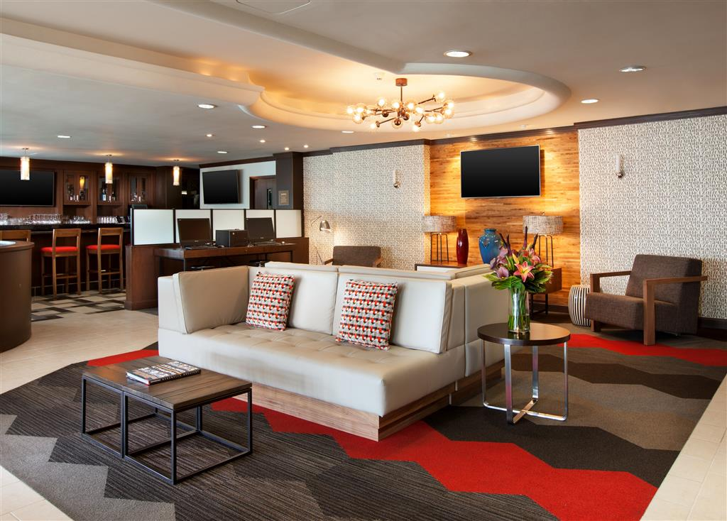 Four Points by Sheraton Hotel & Suites San Francisco Airport image 1