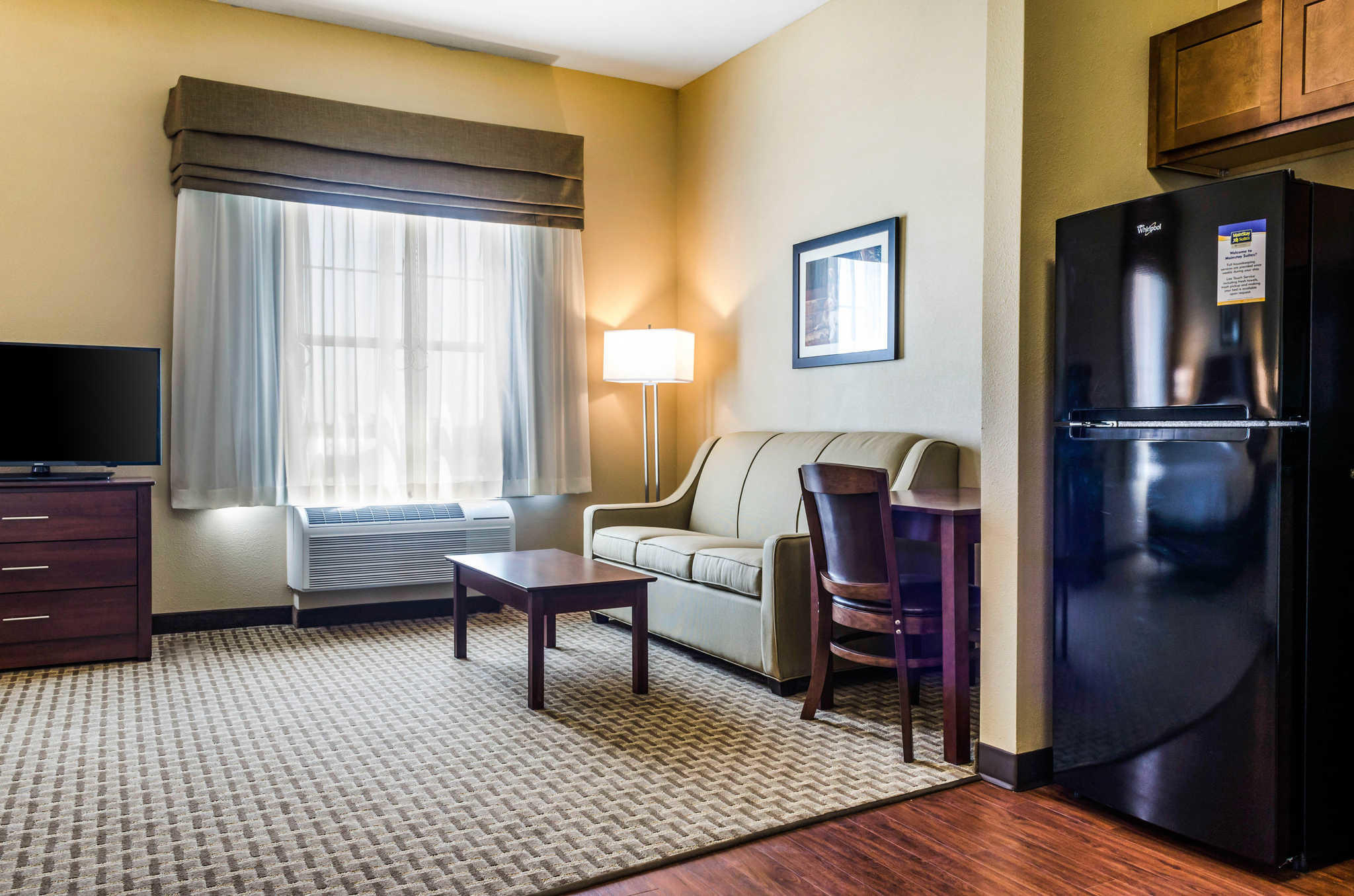 MainStay Suites Hackberry Sportsman's Lodge image 22