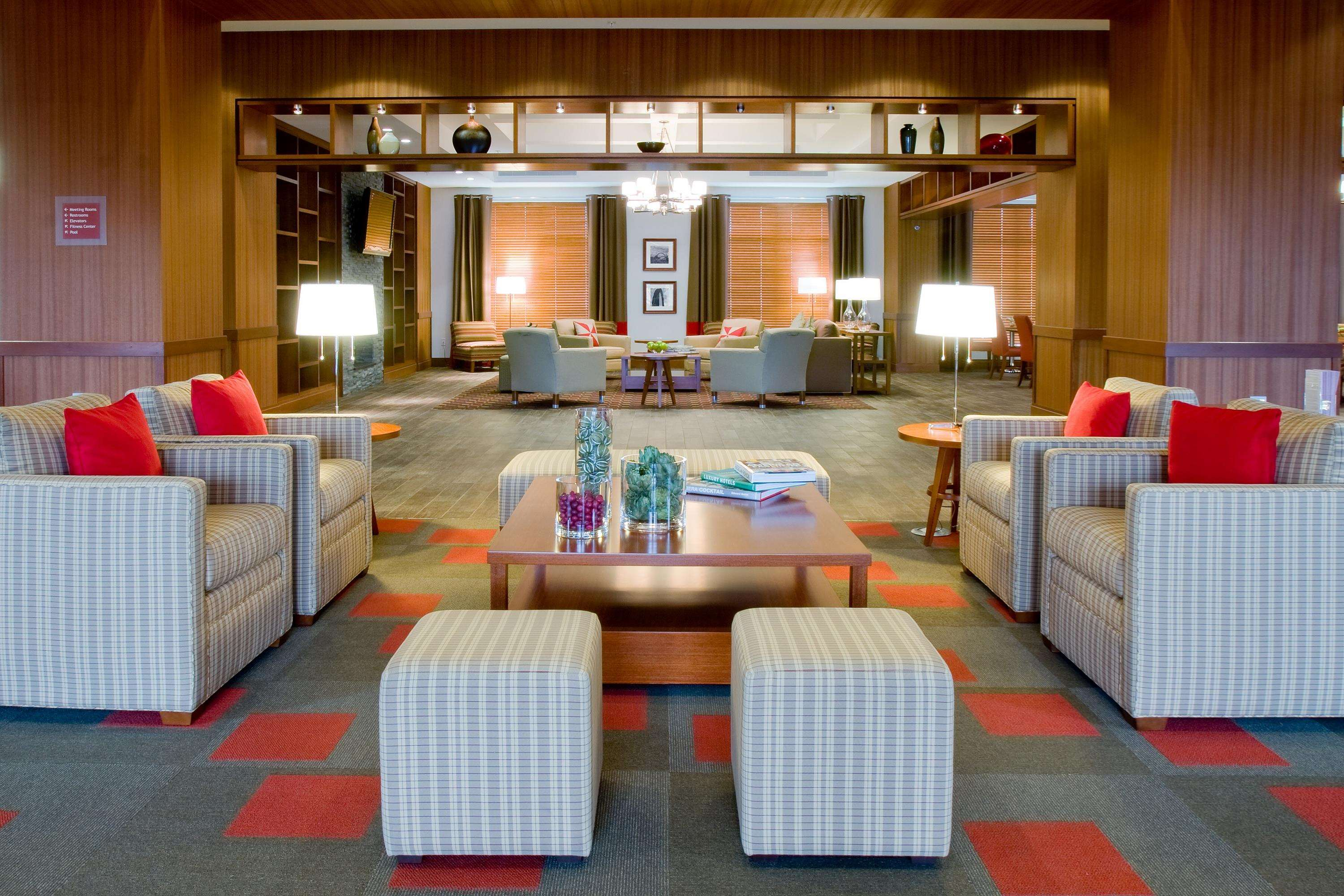 DoubleTree by Hilton Hotel Raleigh - Cary image 2