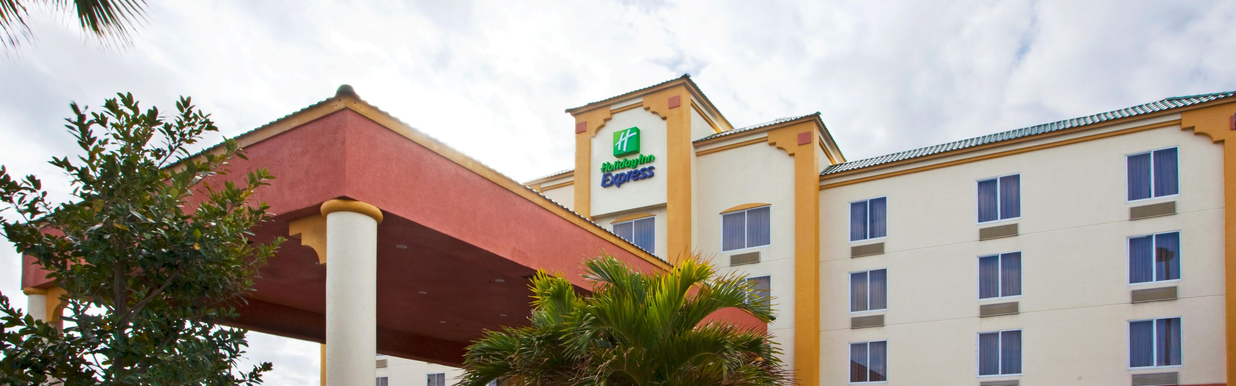 Holiday Inn Express & Suites Cocoa Beach image 0