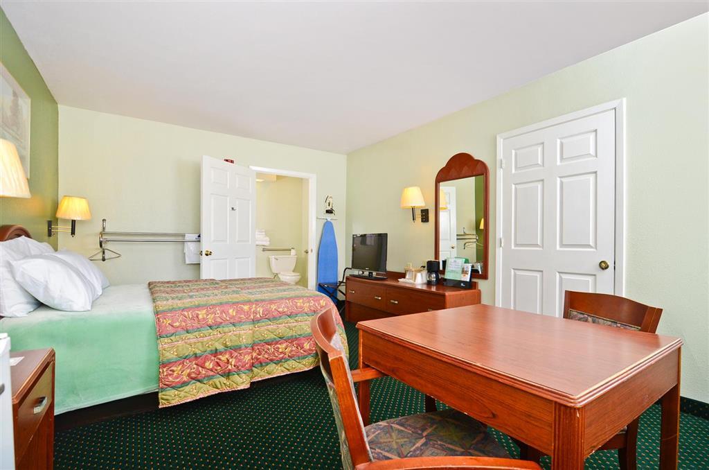 Americas Best Value Inn & Suites Smithville image 12