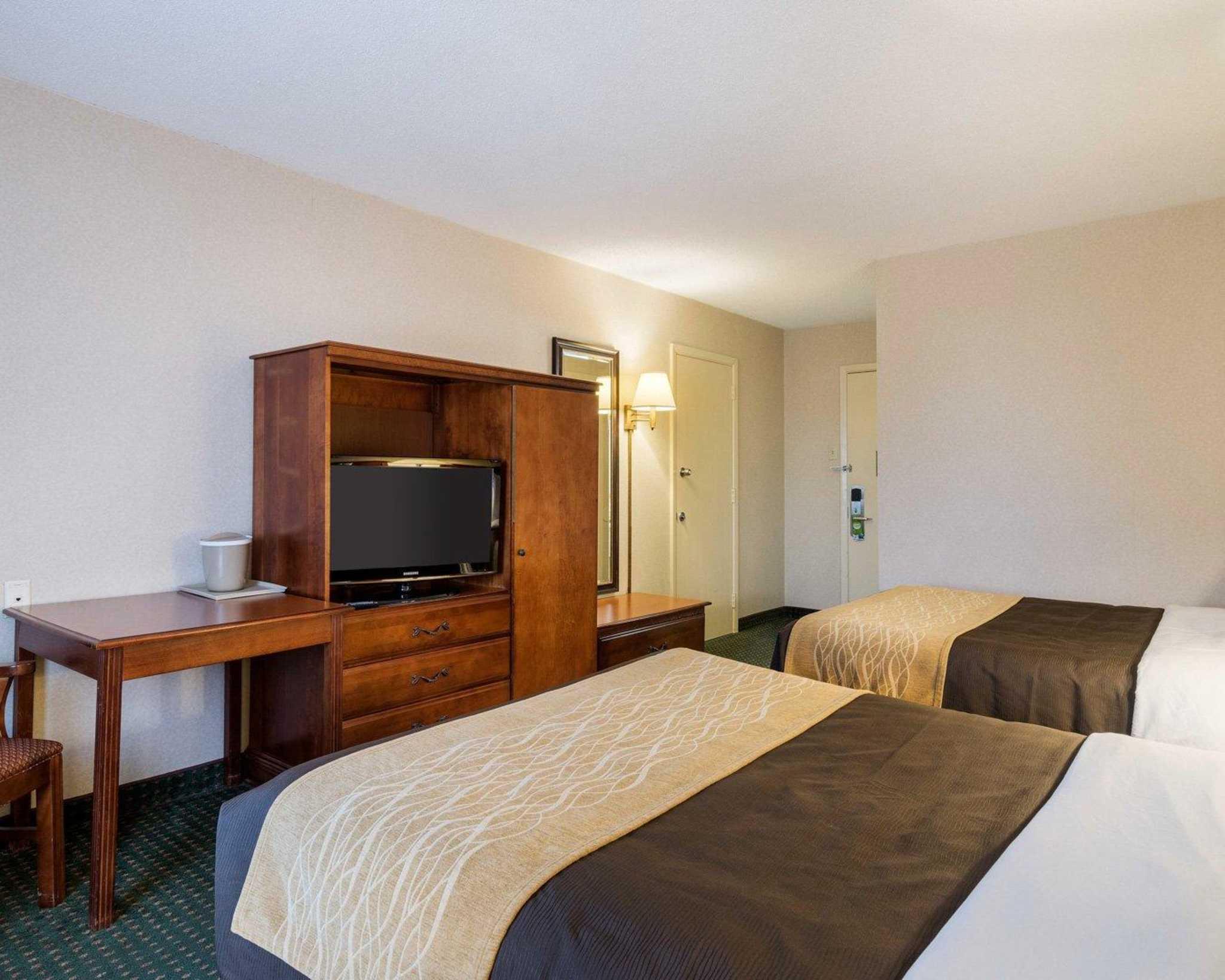 Comfort Inn Red Horse image 13