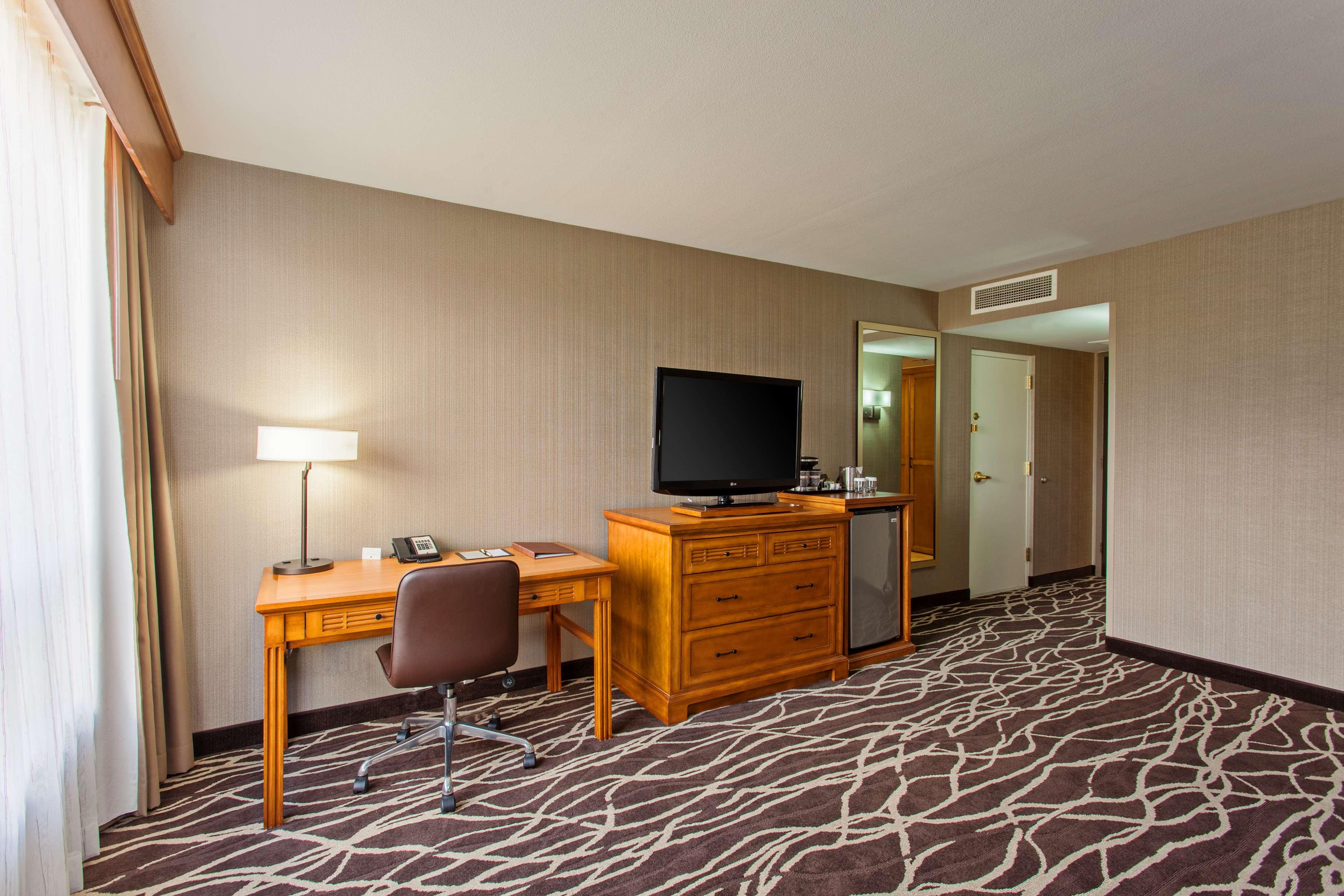 DoubleTree by Hilton Hotel San Bernardino image 19