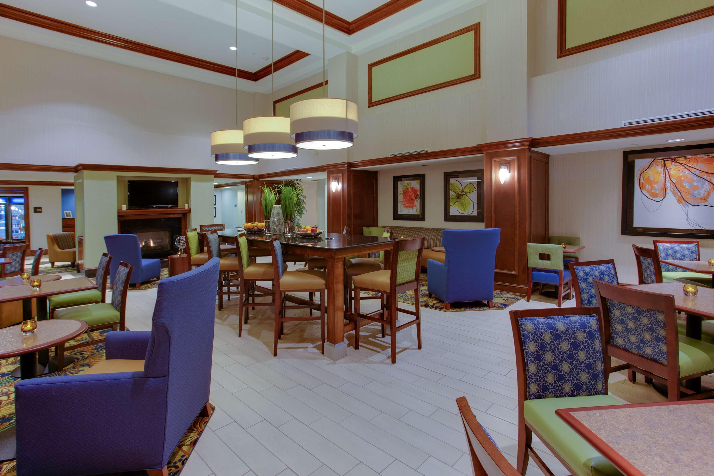 Hampton Inn & Suites Fredericksburg South image 6