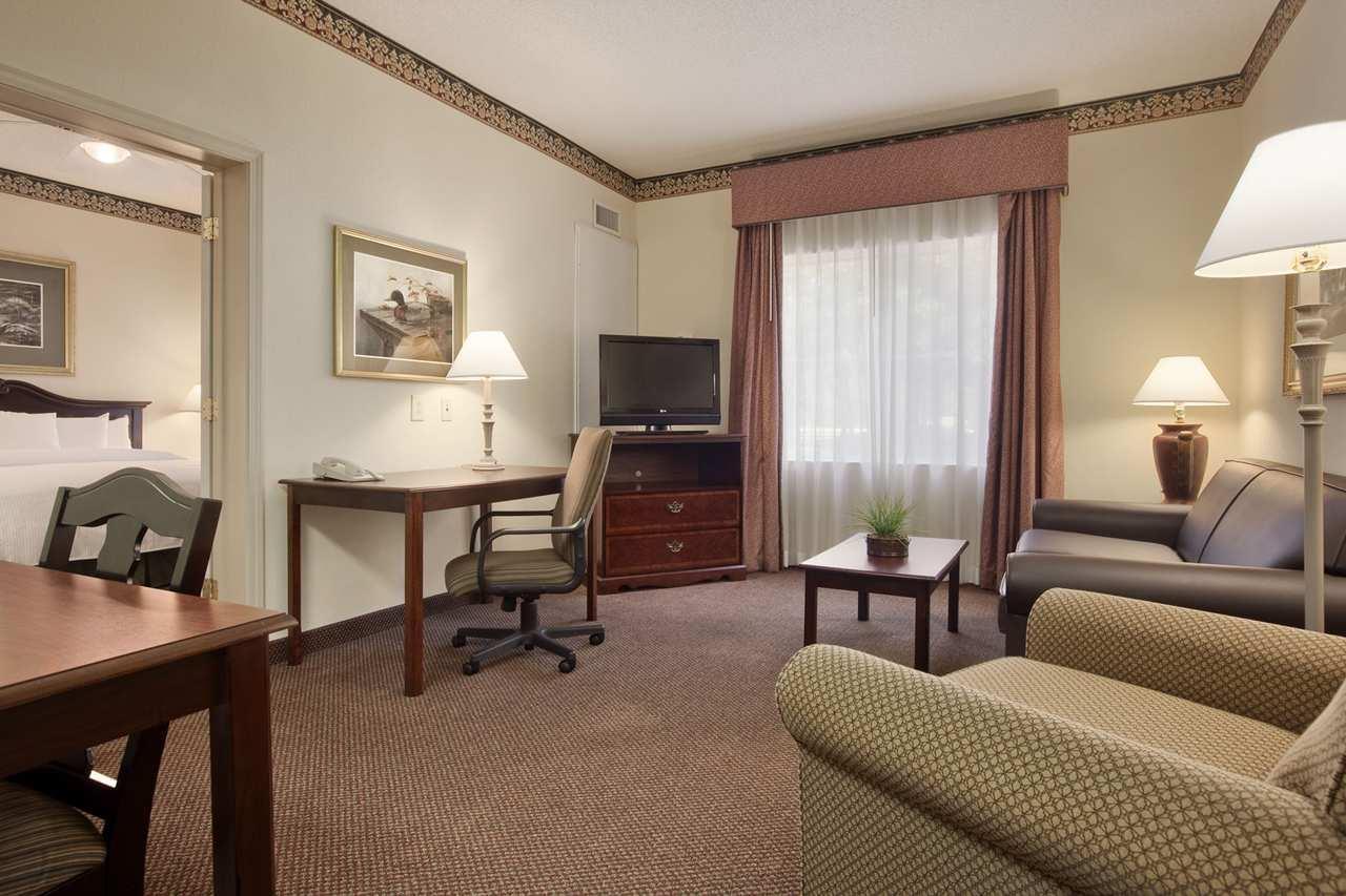Homewood Suites by Hilton Charleston - Mt. Pleasant image 7