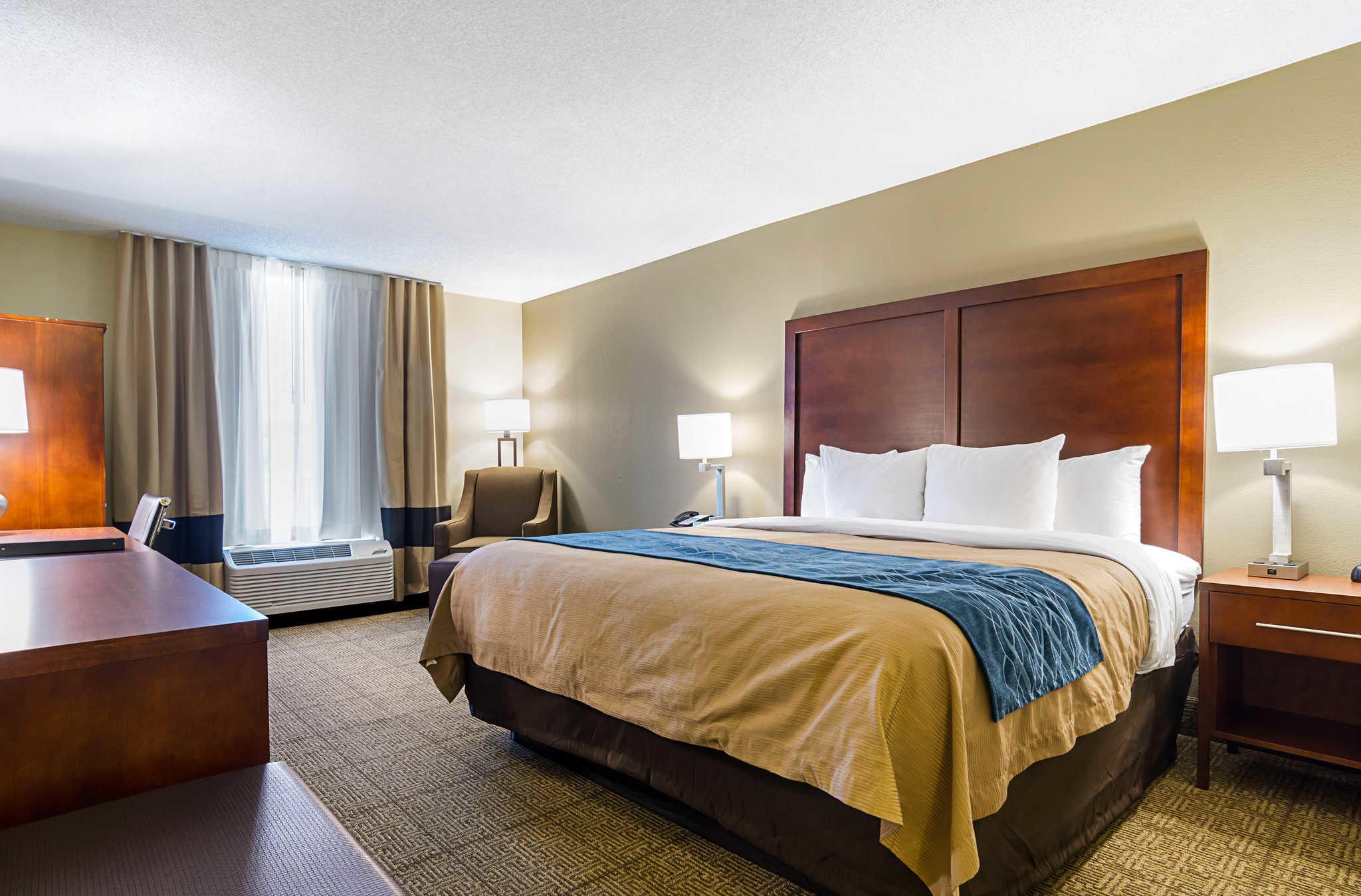 Comfort Inn & Suites Duke University-Downtown image 20