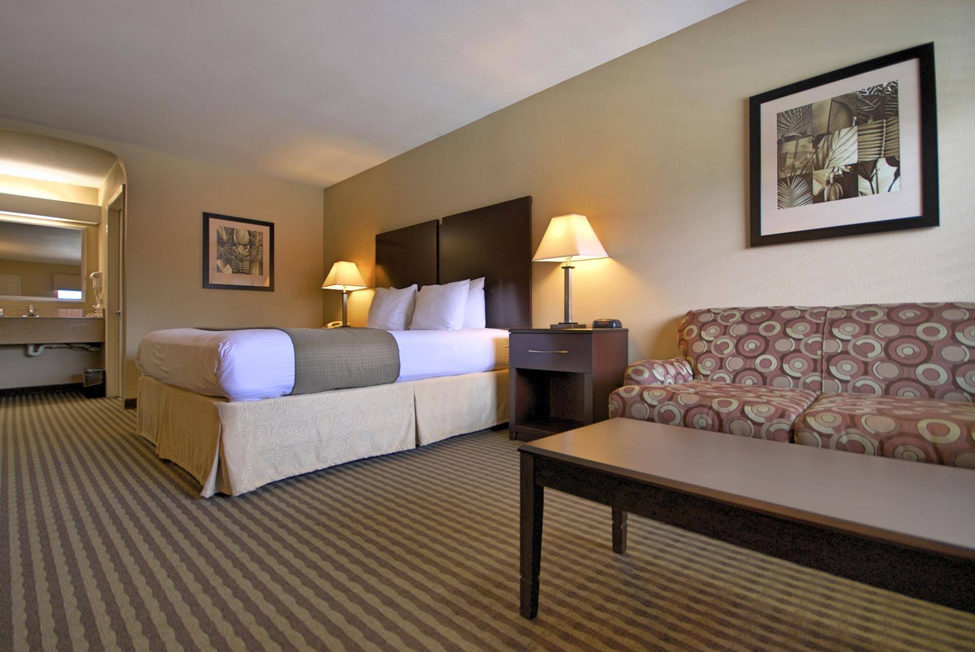 Best Western Cedar Inn image 13