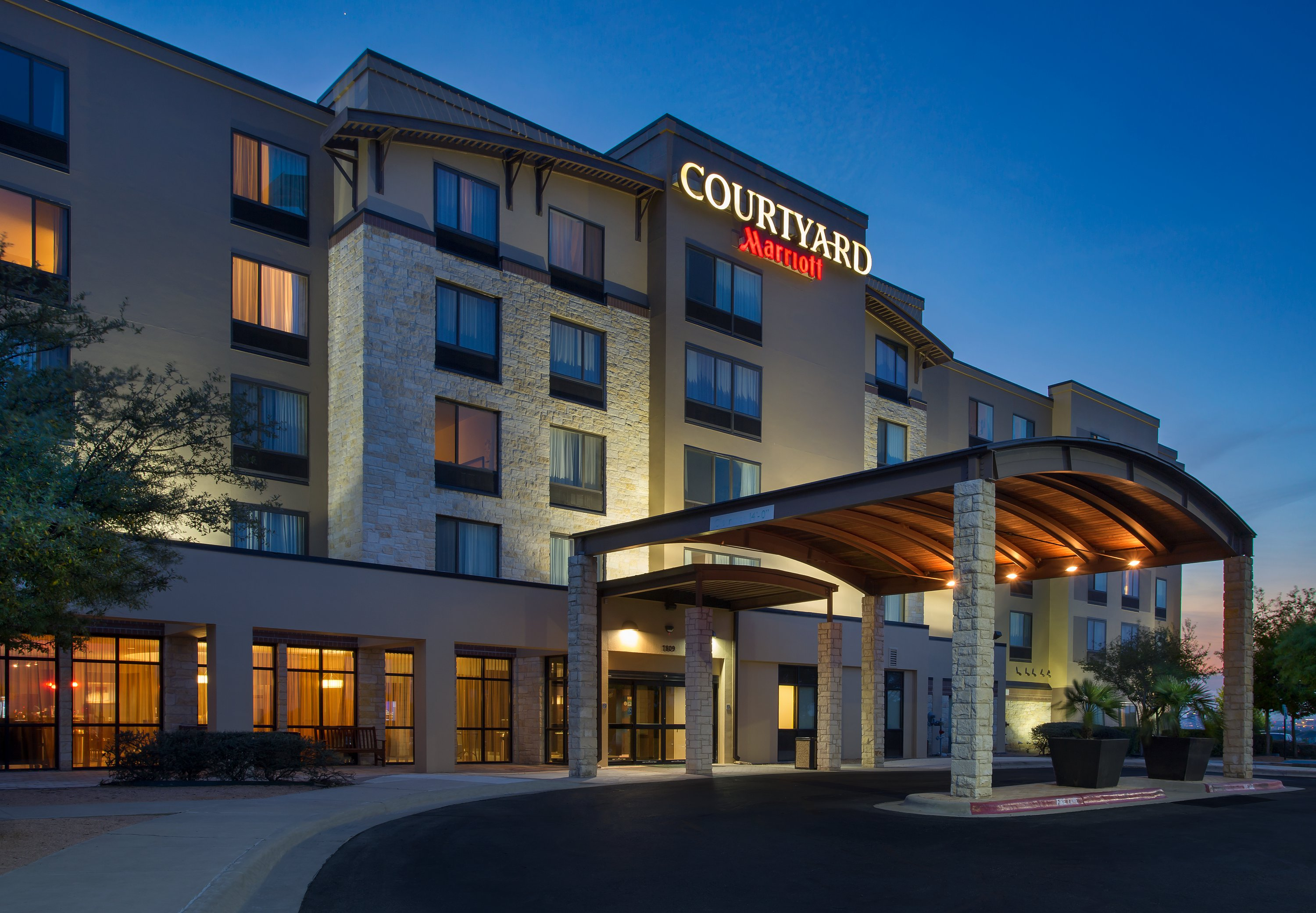 Courtyard by Marriott Austin Airport image 22