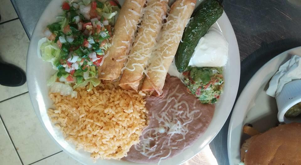 Restaurant y Tacos El Chino image 11