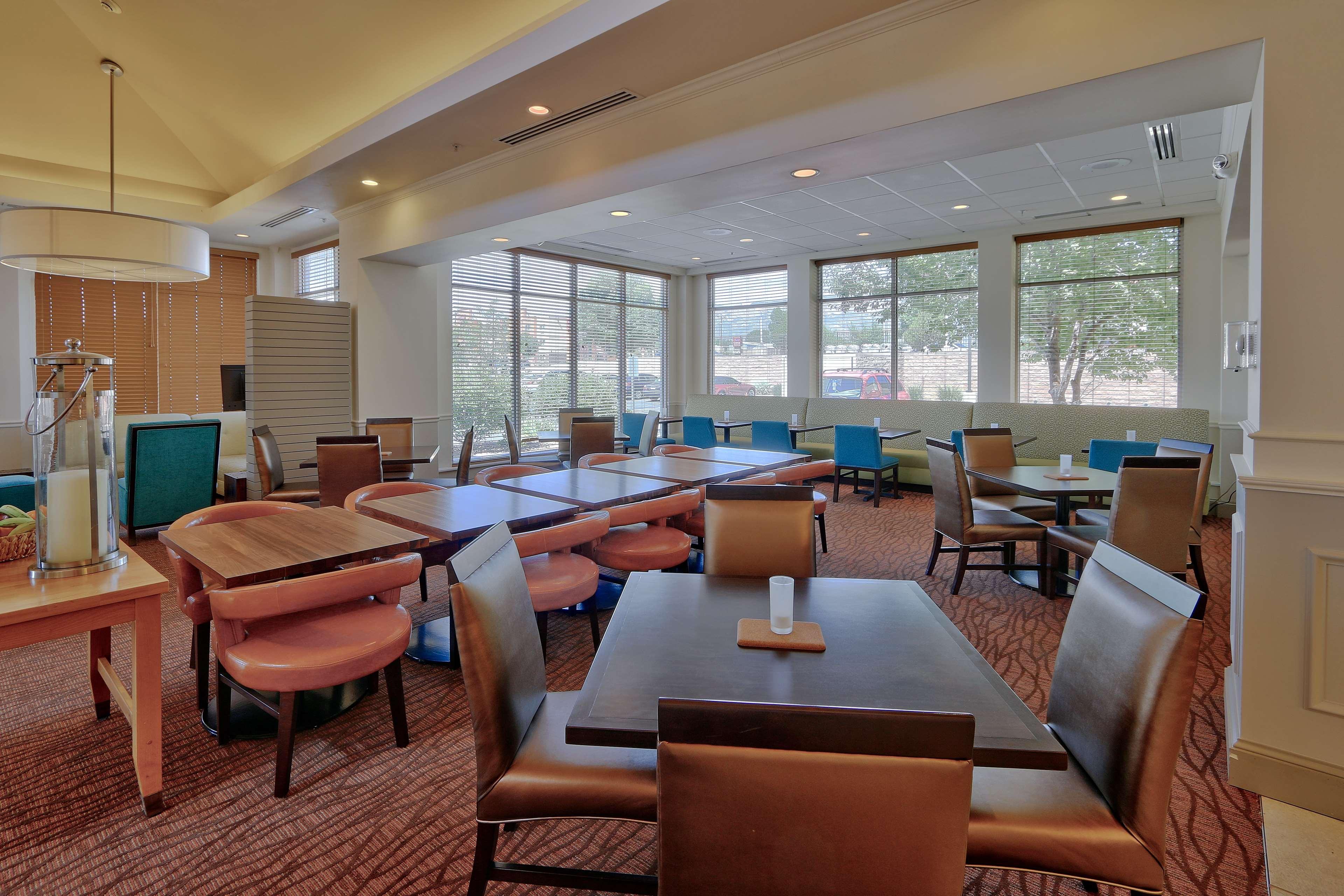 Hilton Garden Inn Albuquerque/Journal Center image 13