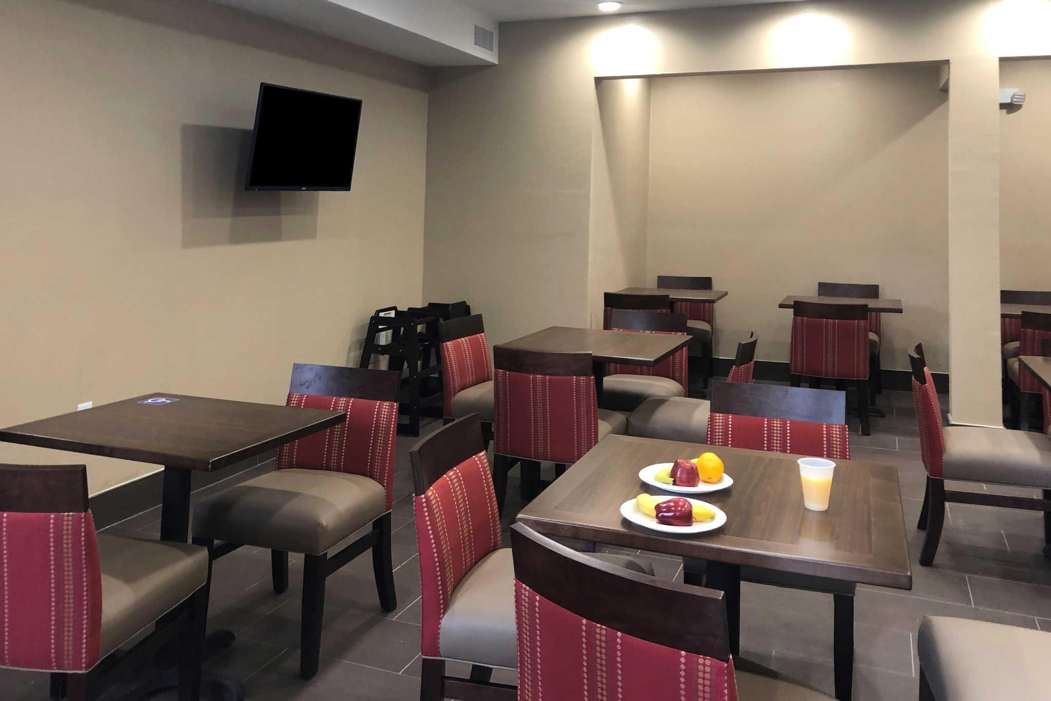 Comfort Inn & Suites Orange County John Wayne Airport image 17
