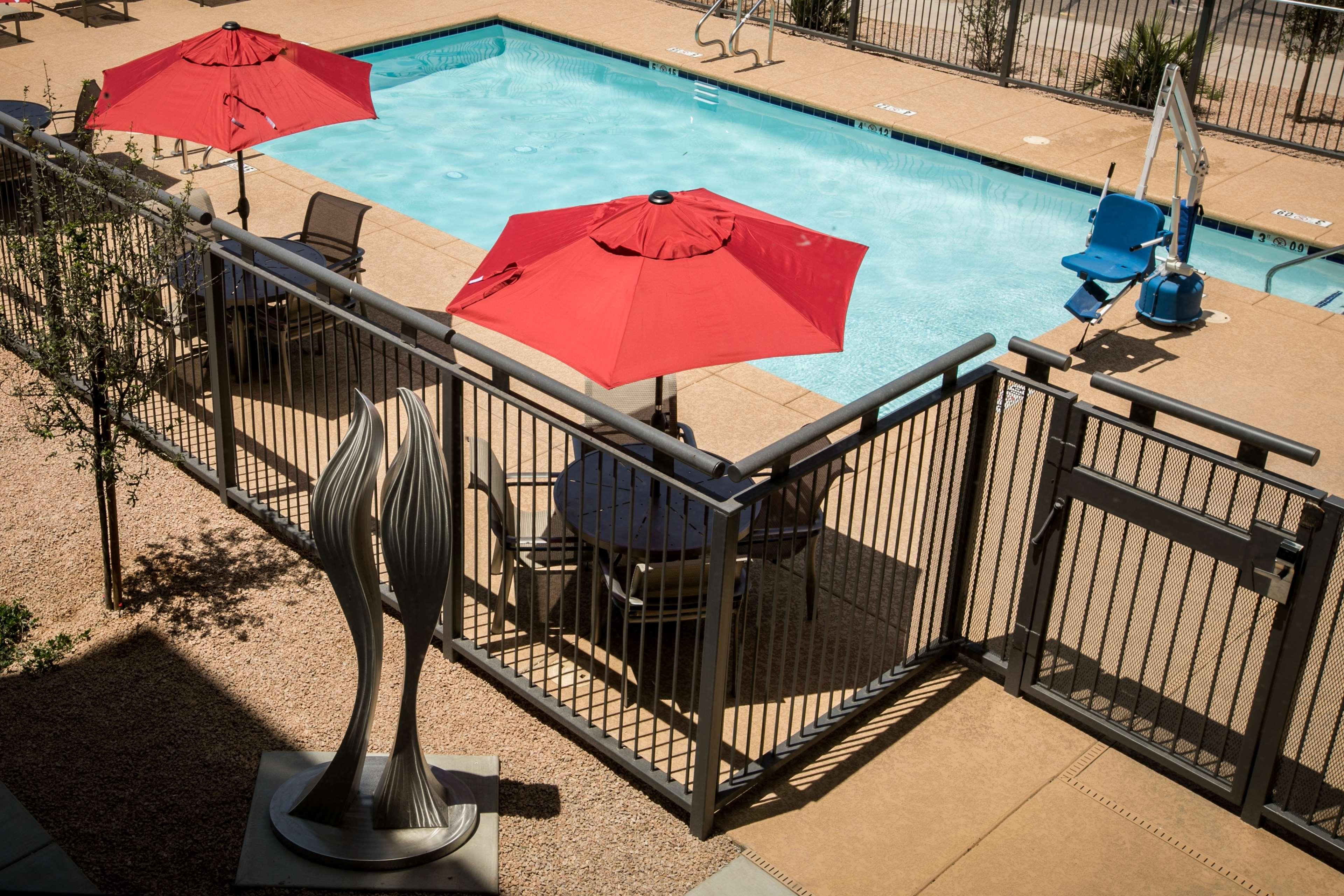 Hampton Inn & Suites Tempe - Phoenix Airport image 10