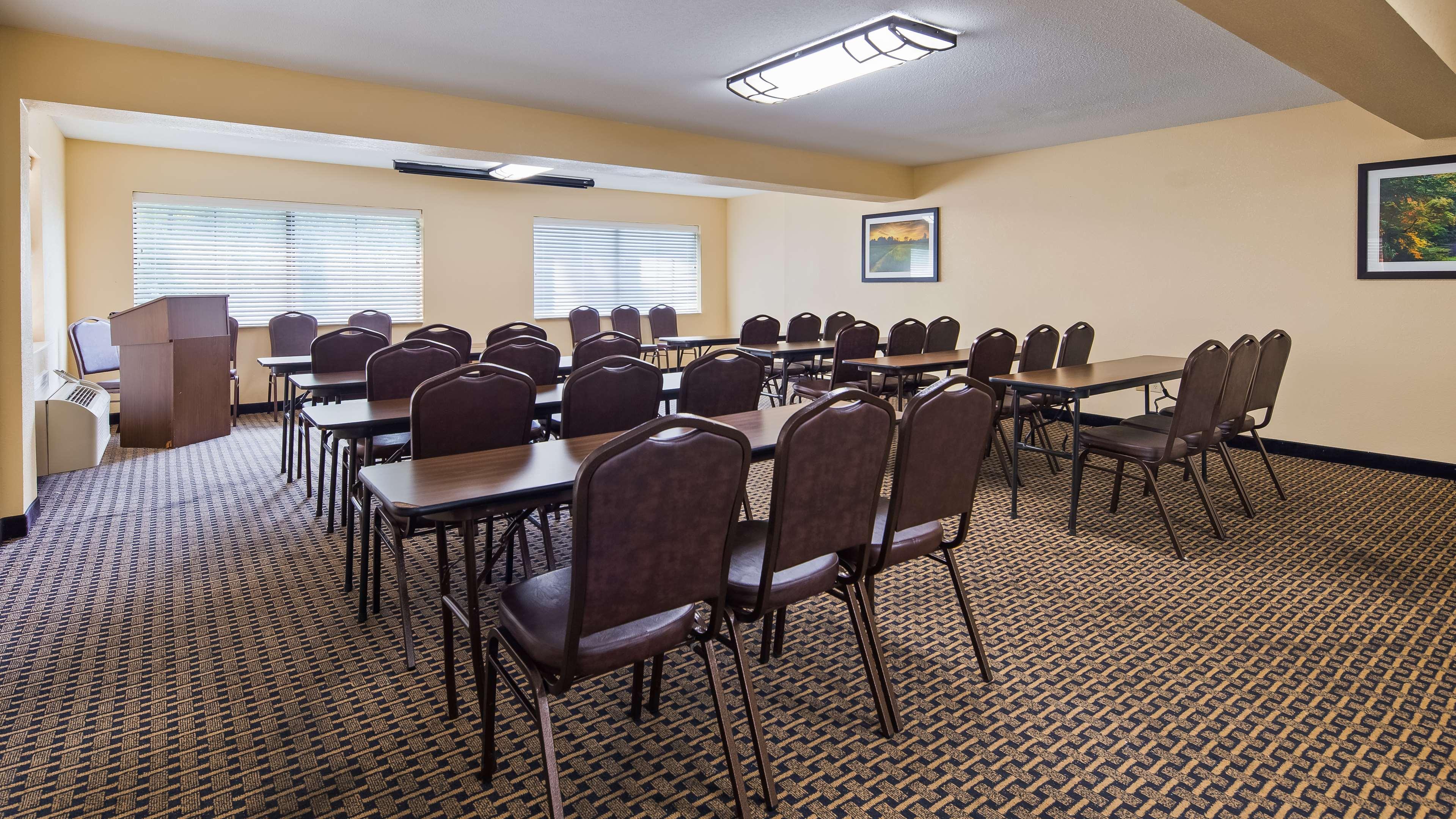 Best Western Executive Suites - Columbus East image 9