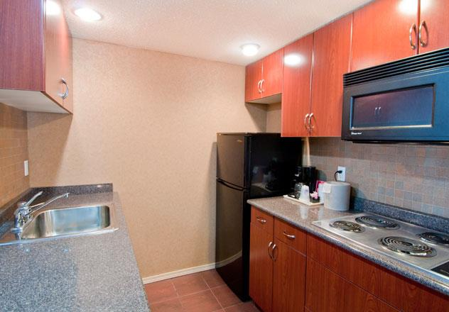 Best Western Chelsea Inn in Coquitlam: Two Queen Family Suite